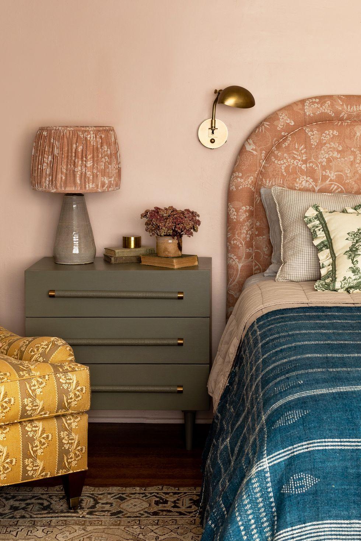 Đầu giường cổ điển