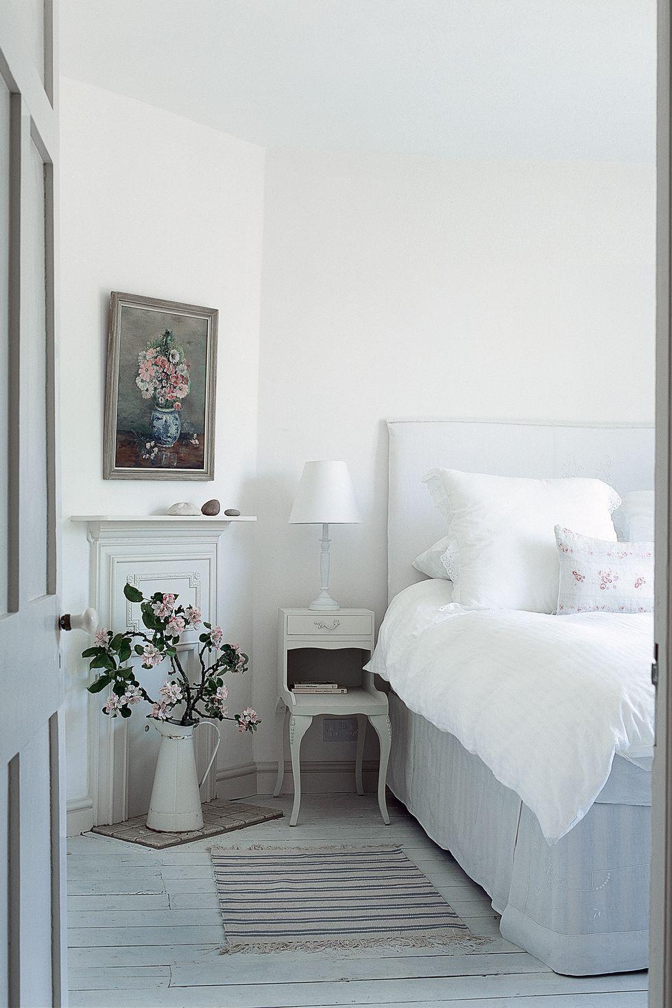 Giường ngủ lãng mạn