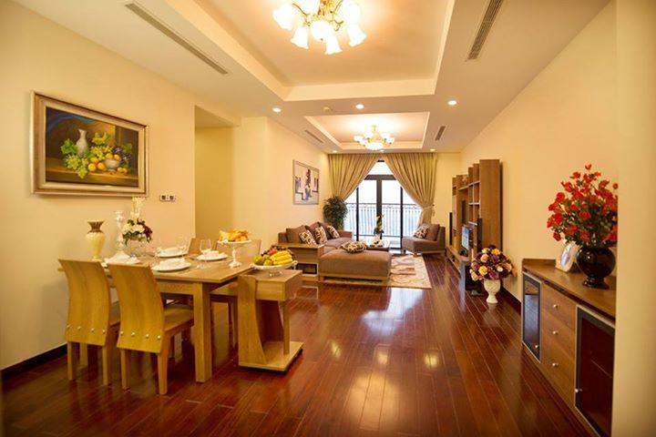 Phòng bếp được bố trí liền với phòng khách 