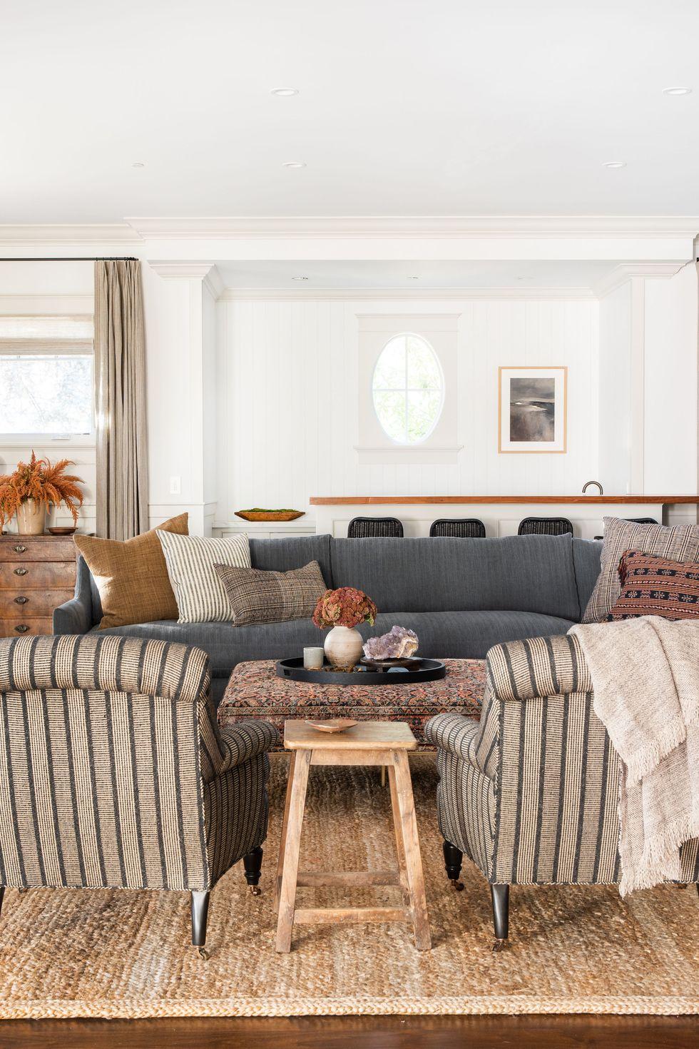 Tăng sự ấm cúng cho phòng khách