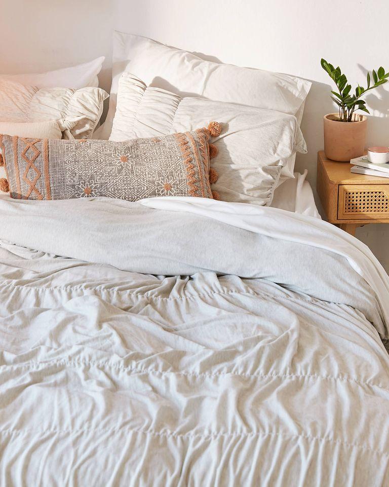 Thêm bộ ga giường ấm cúng