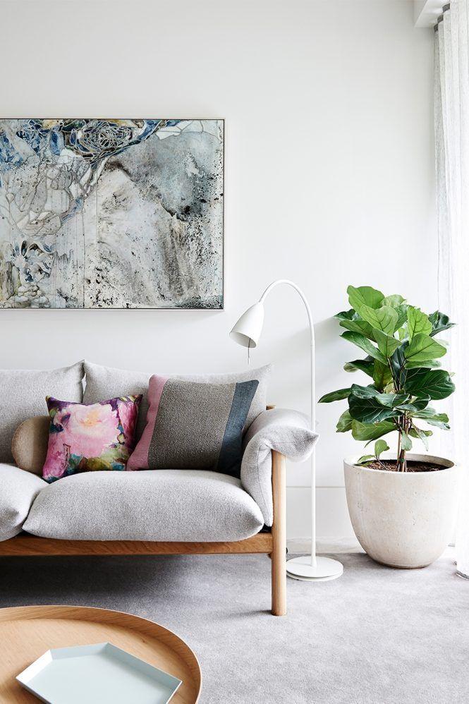 Thêm cây xanh trong phòng khách