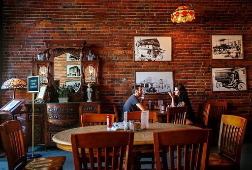 Thiết kế quán cafe độc đáo 5