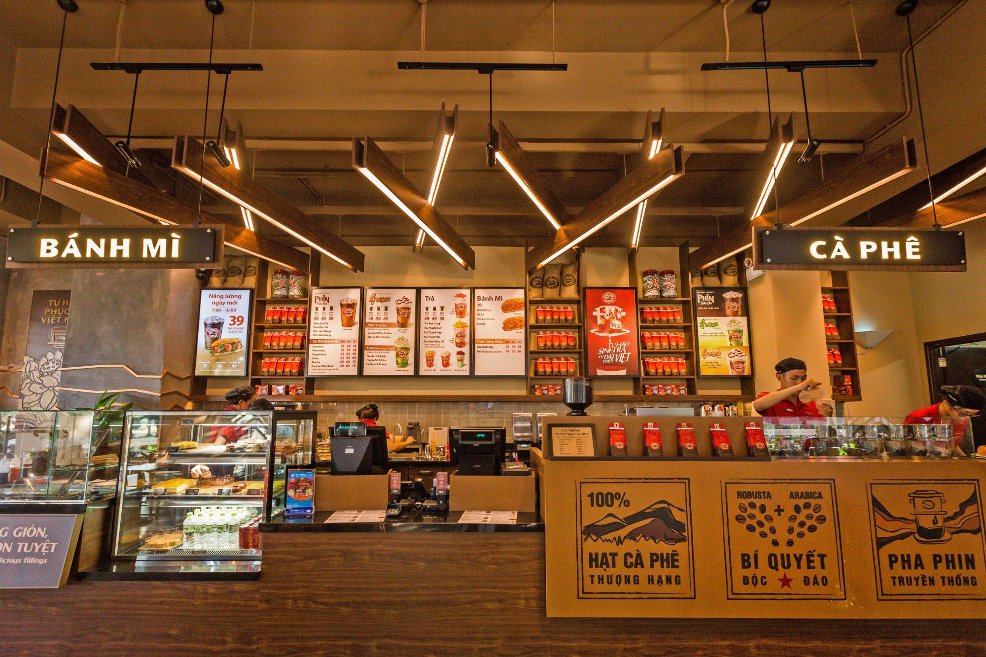 Trang trí nội thất quán cafe hiện đại 2