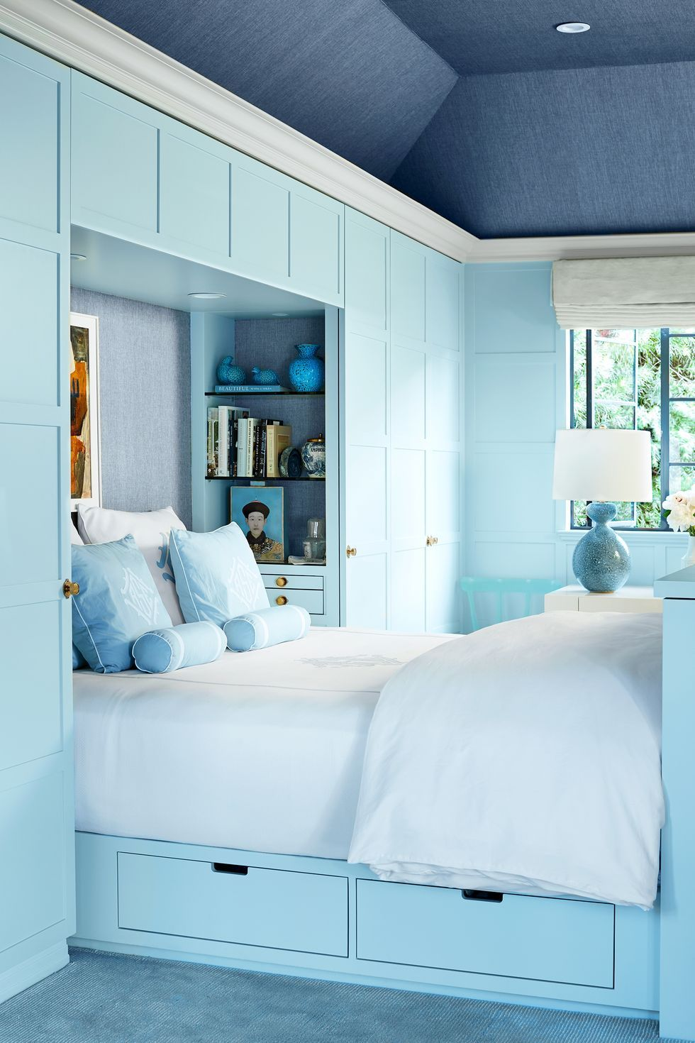 Tủ sách đầu giường ngủ