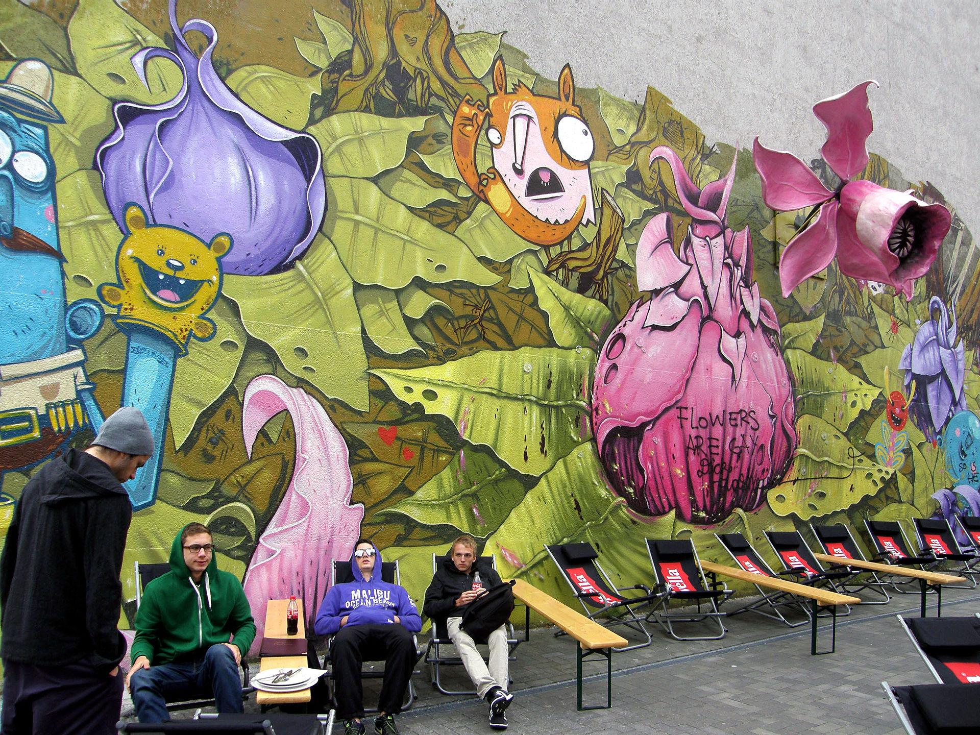 Graffiti ở Berlin Kreuzberg