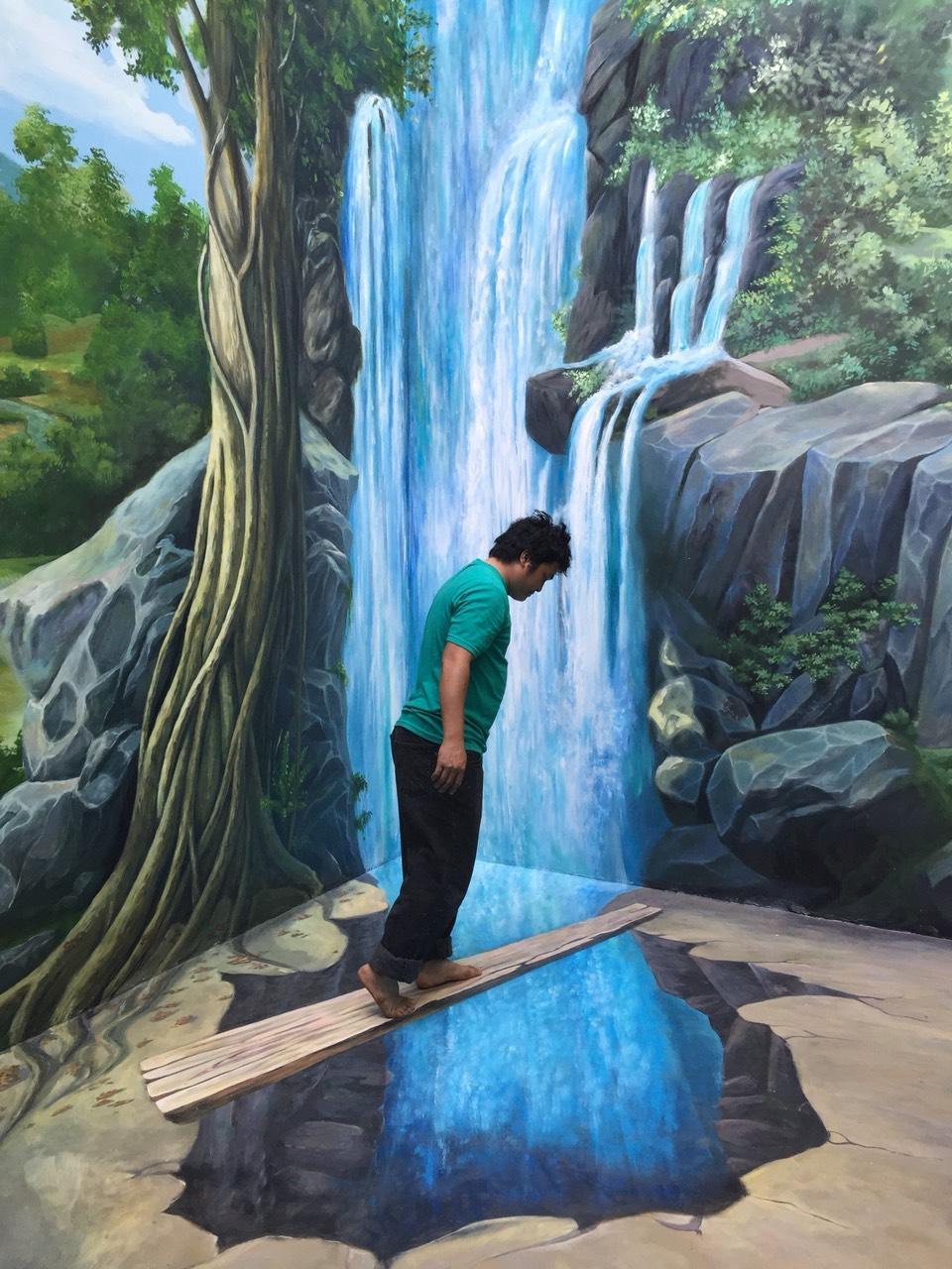 Vẽ tranh tường3d cảm giác mạnh