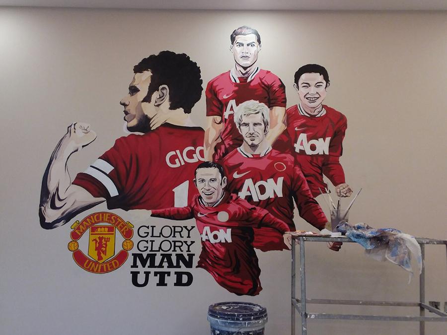 Vẽ tranh tườngcho bé trai yêu bóng đá