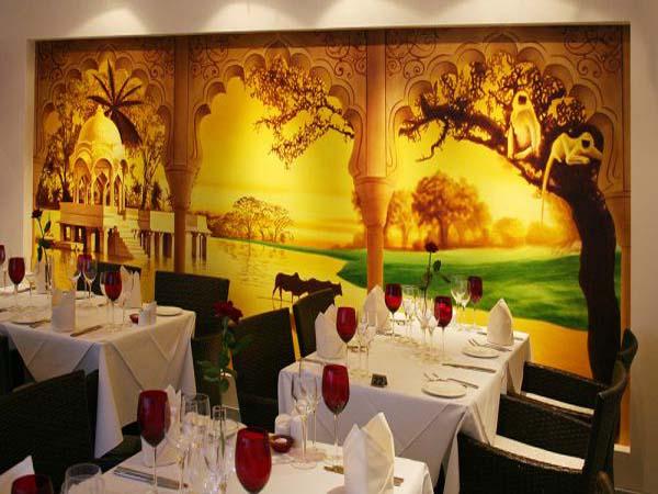 Vẽ tranh tường phòng ăn khách sạn
