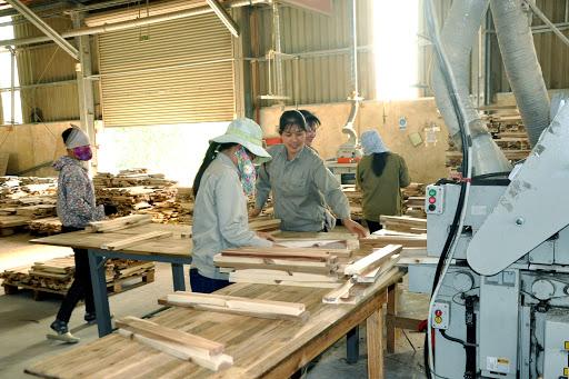 Dây chuyền sản xuất đồ chơi gỗ