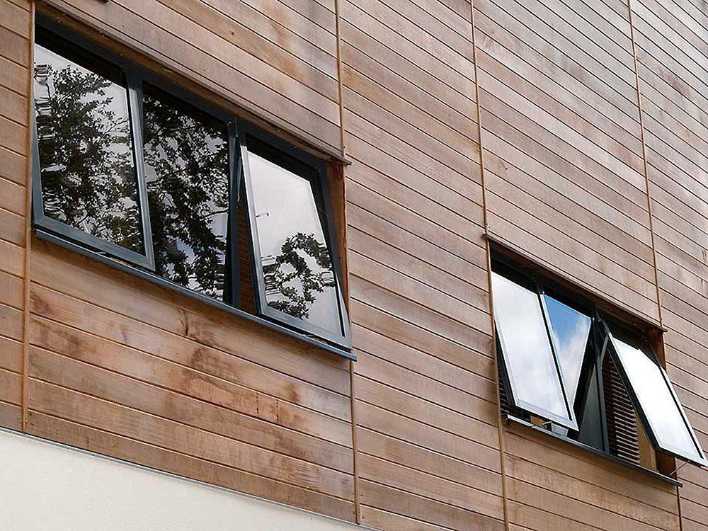 Cửa sổ hất giúp hút ánh sáng và gió