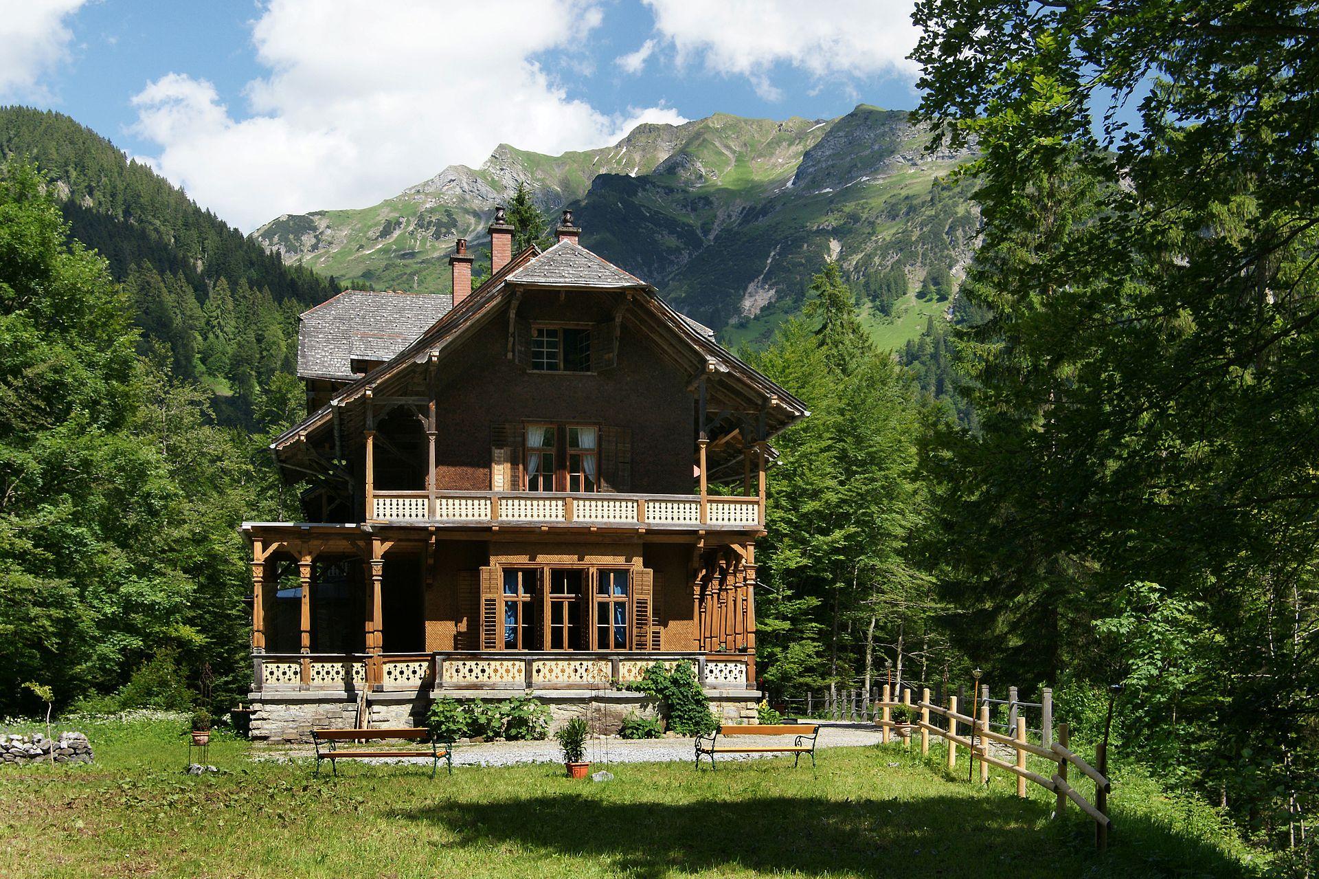 Một kiểu biệt thự ở Pháp