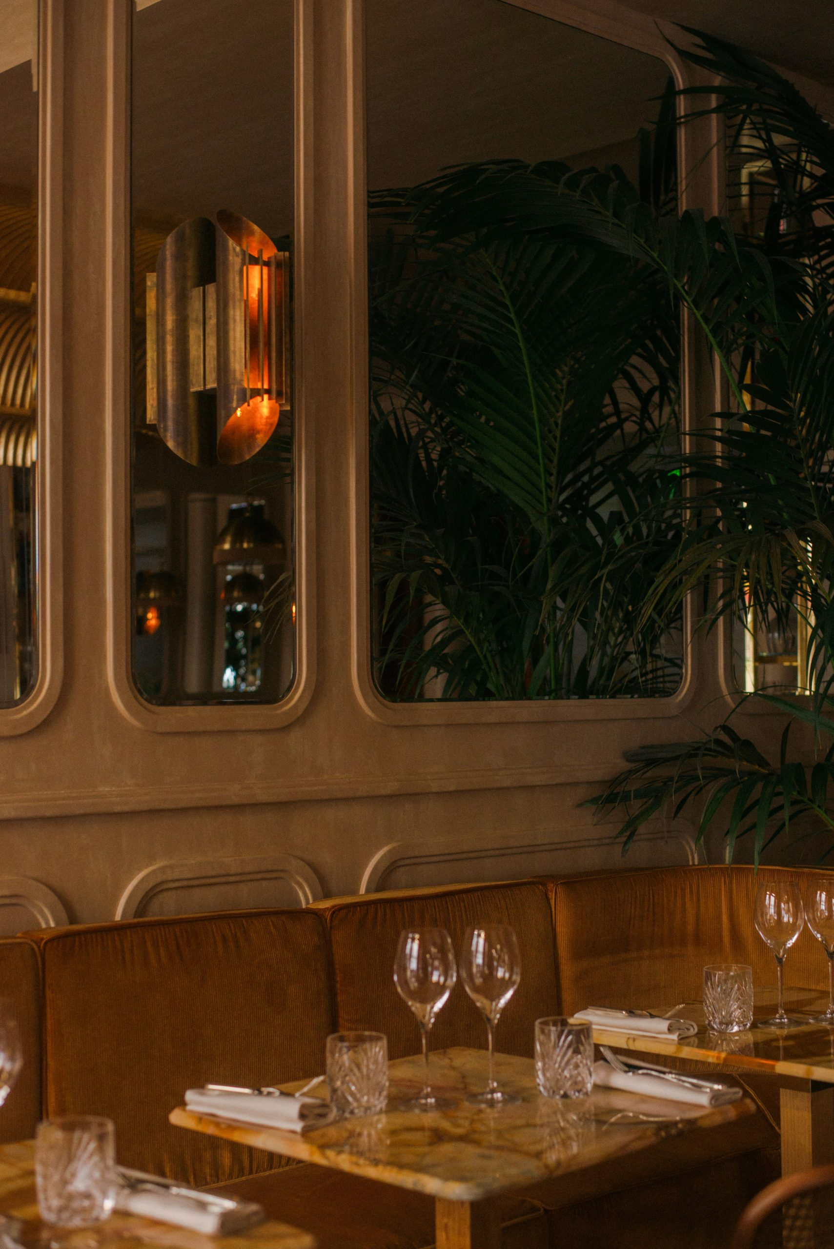 Thiết kế nội thất nhà hàng 12