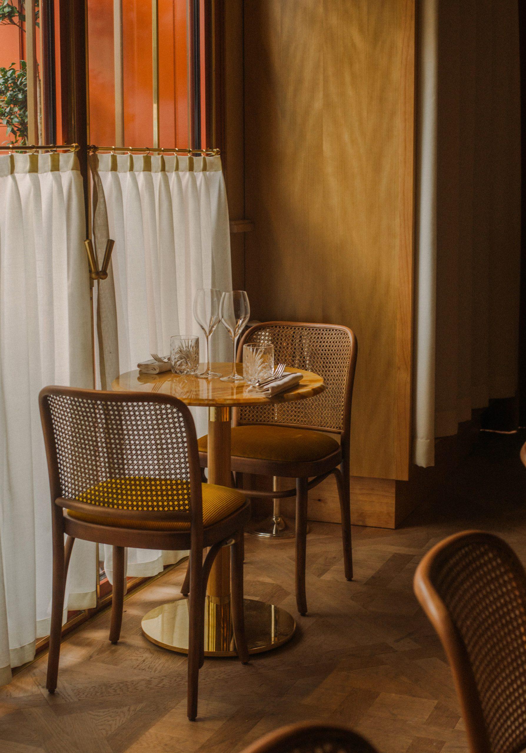 Thiết kế nội thất nhà hàng 16