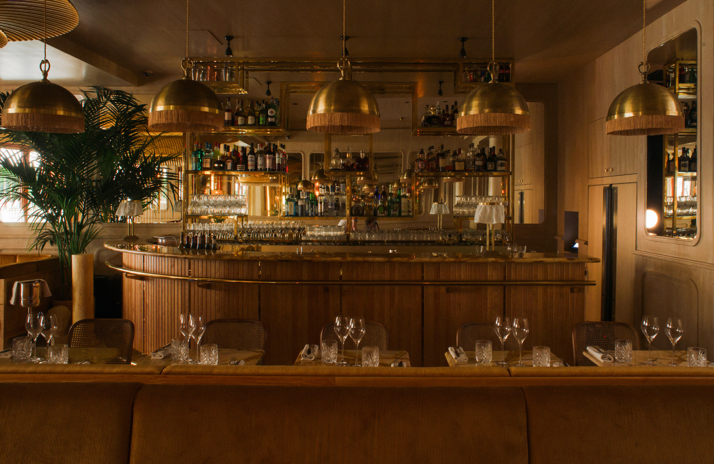 Thiết kế nội thất nhà hàng 18