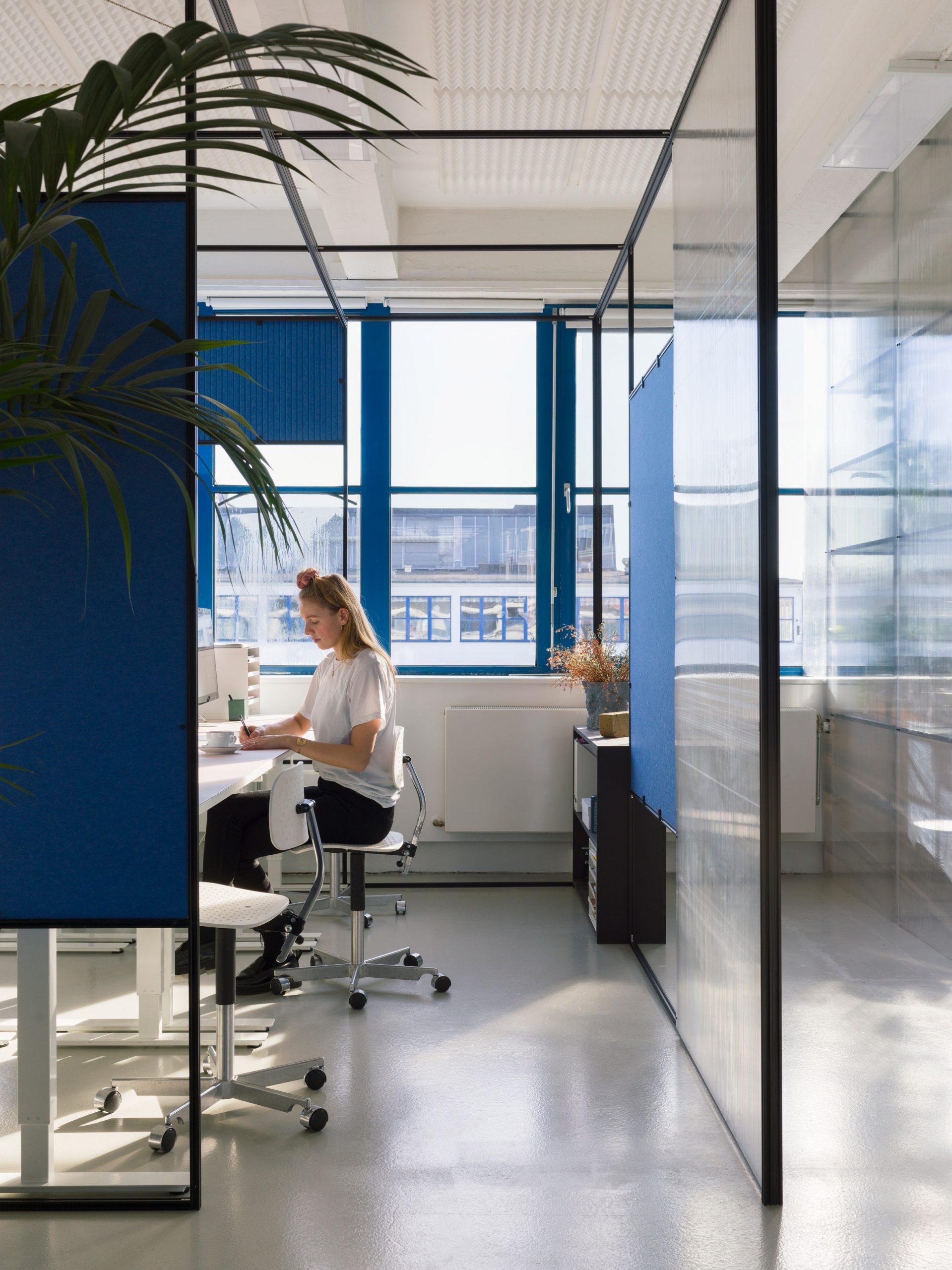 Thiết kế văn phòng 20m2 phân vùng 17
