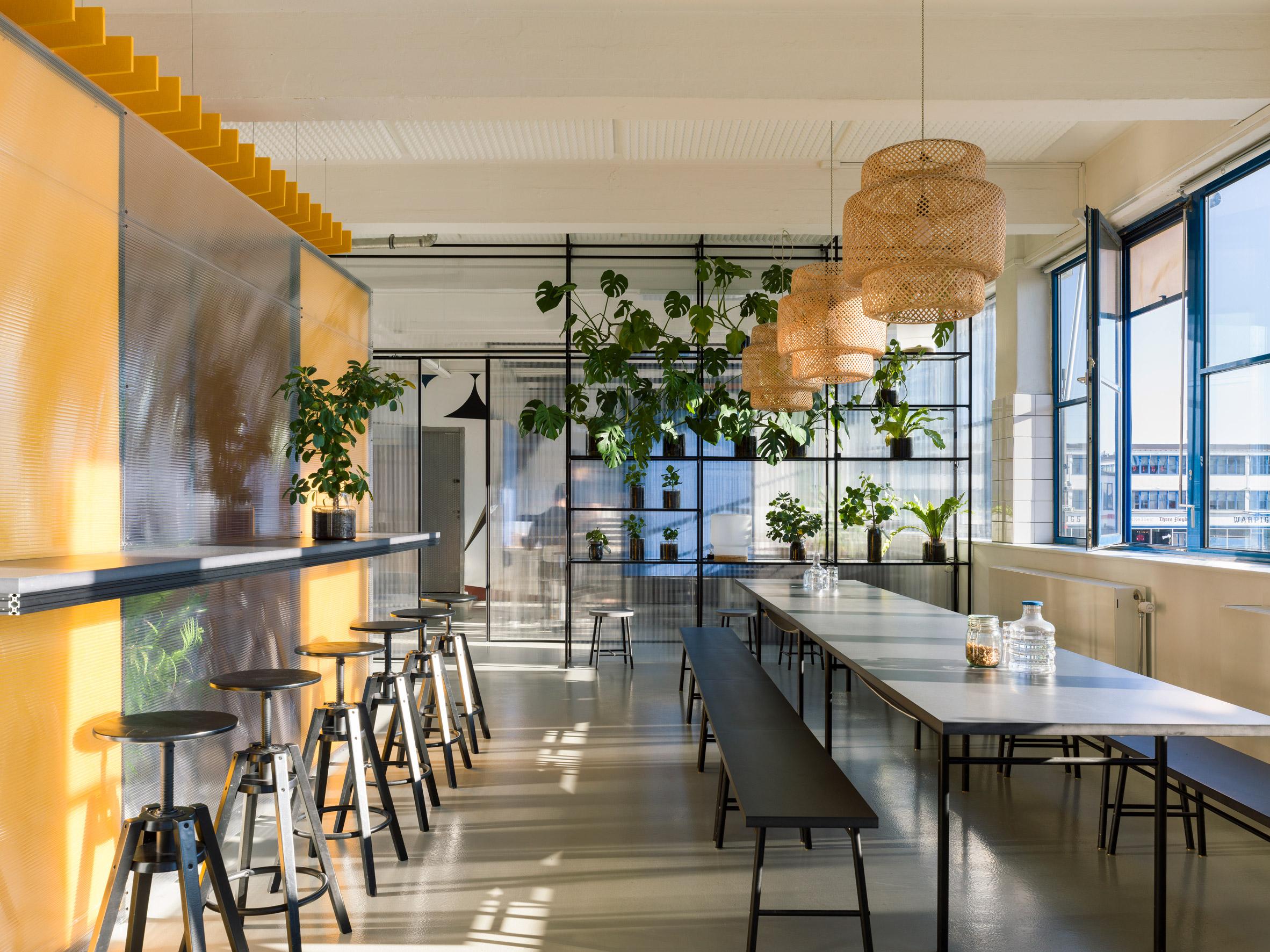 Thiết kế văn phòng 20m2 phân vùng 2