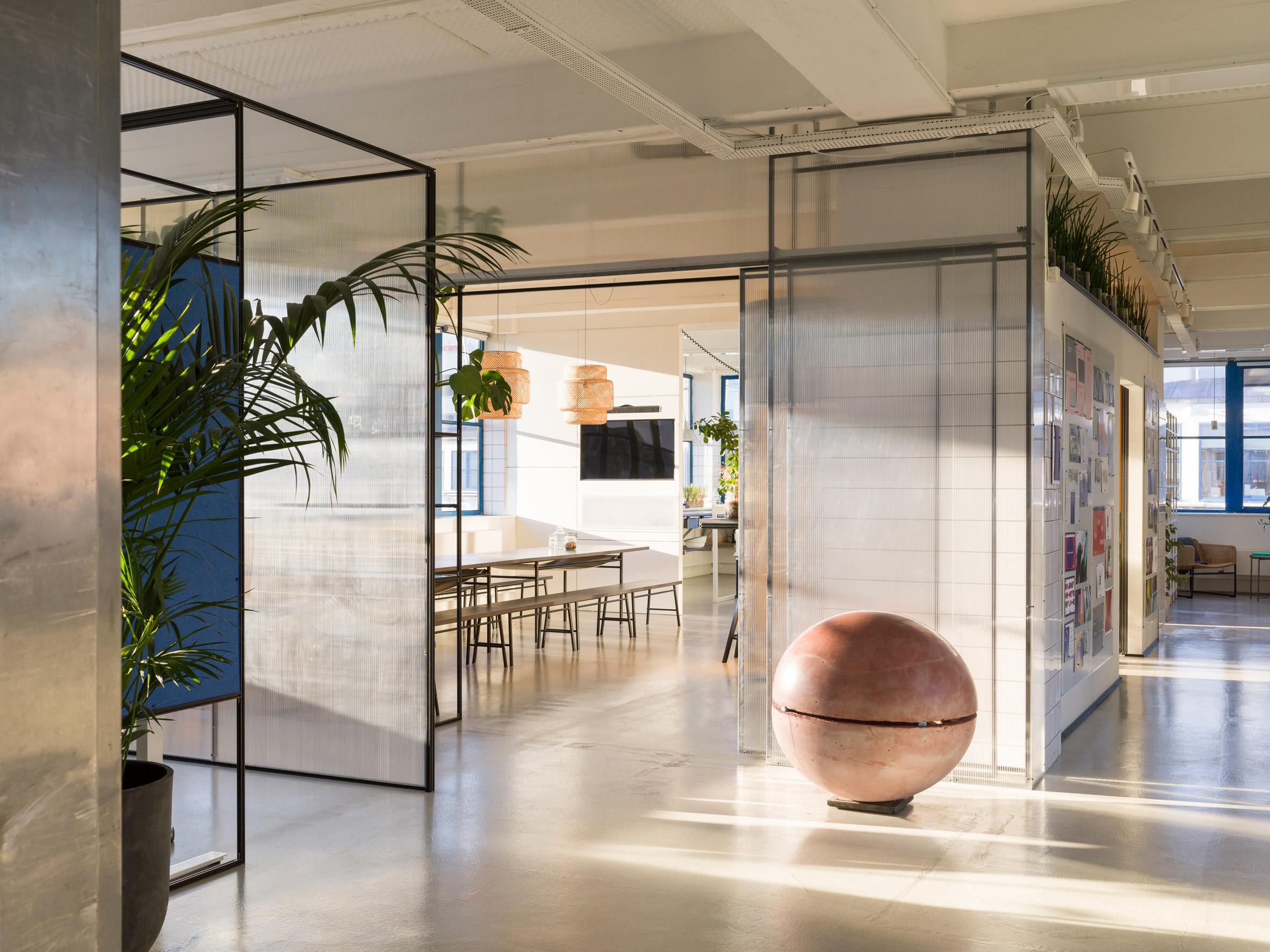 Thiết kế văn phòng 20m2 phân vùng 3