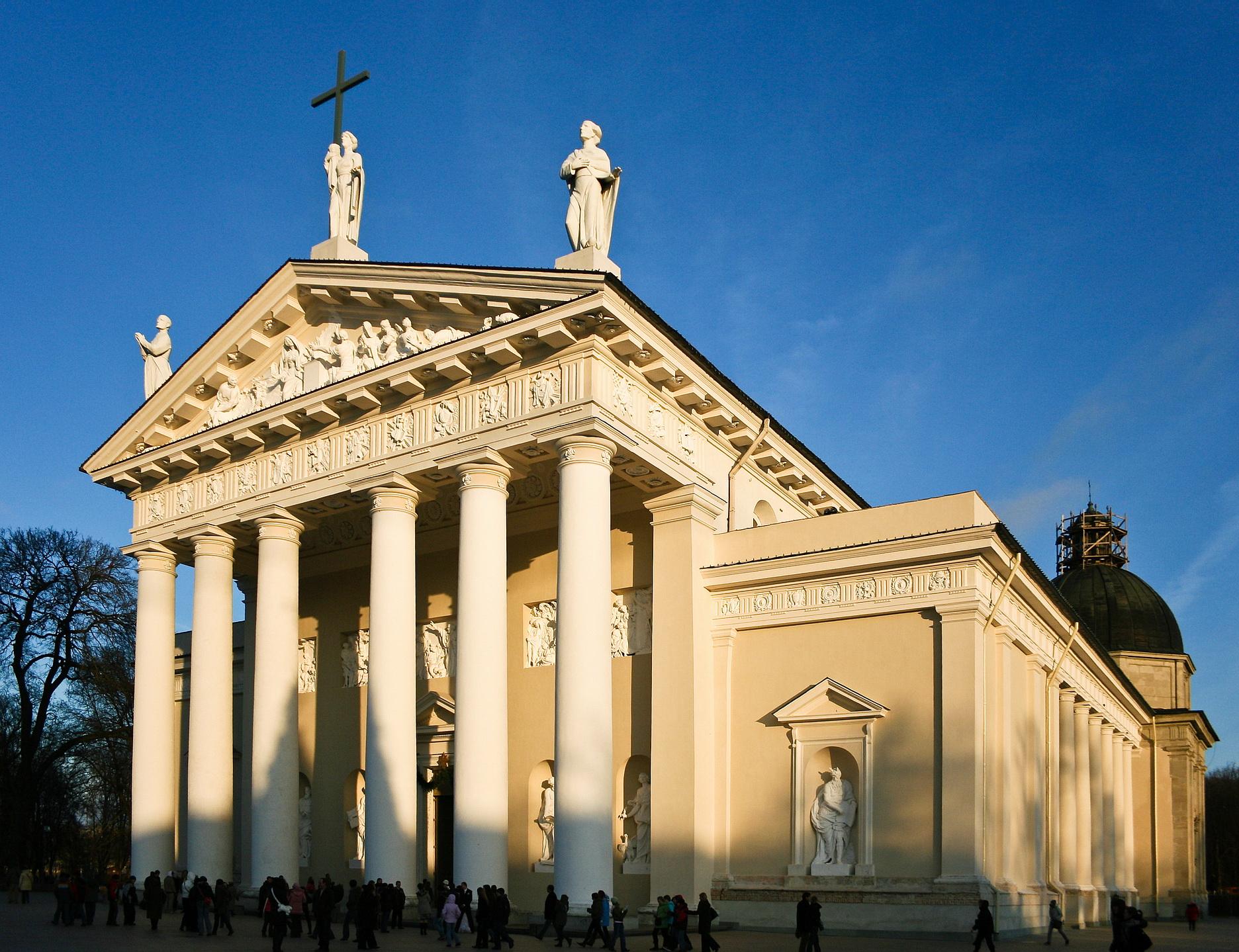 Kiến trúc tân cổ điển The Cathedral of Vilnius