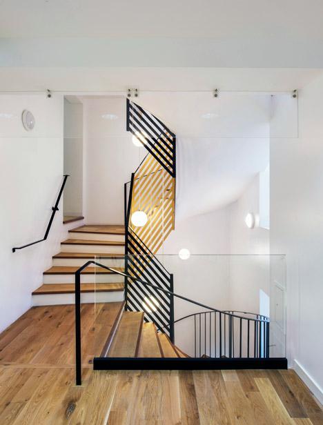 Cầu thang nhỏ 5