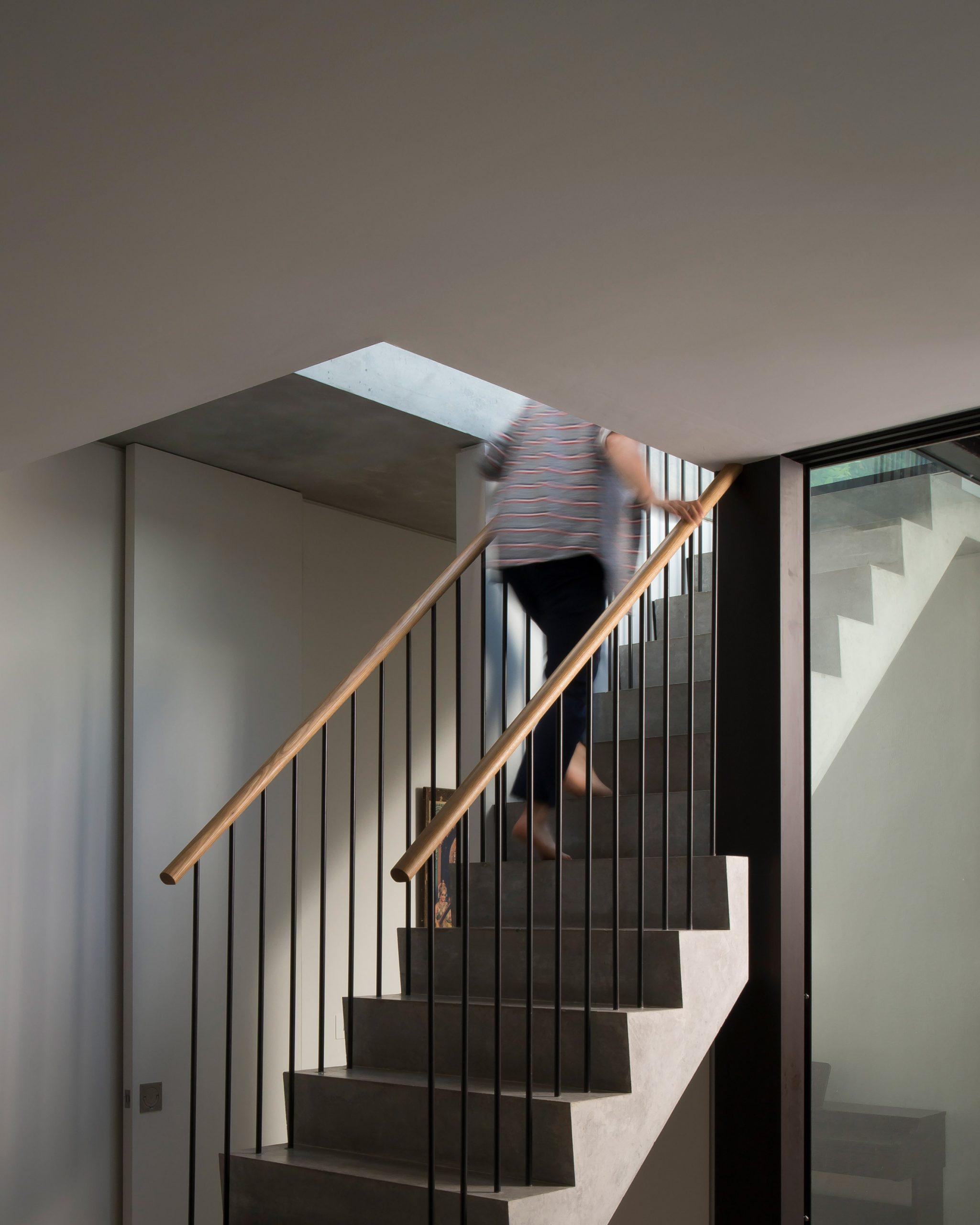 Cầu thang sắt 6