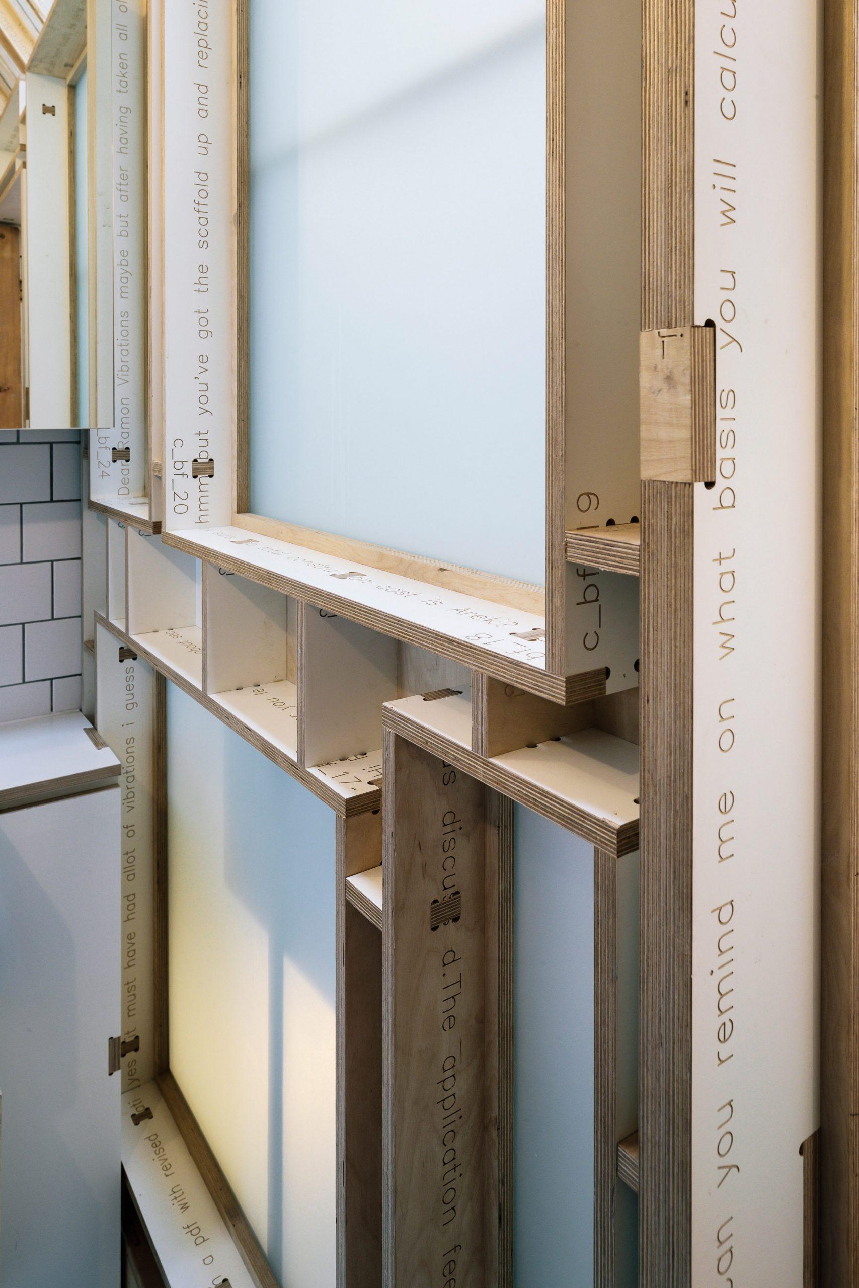 Mẫu cầu thang gỗ đẹp 7