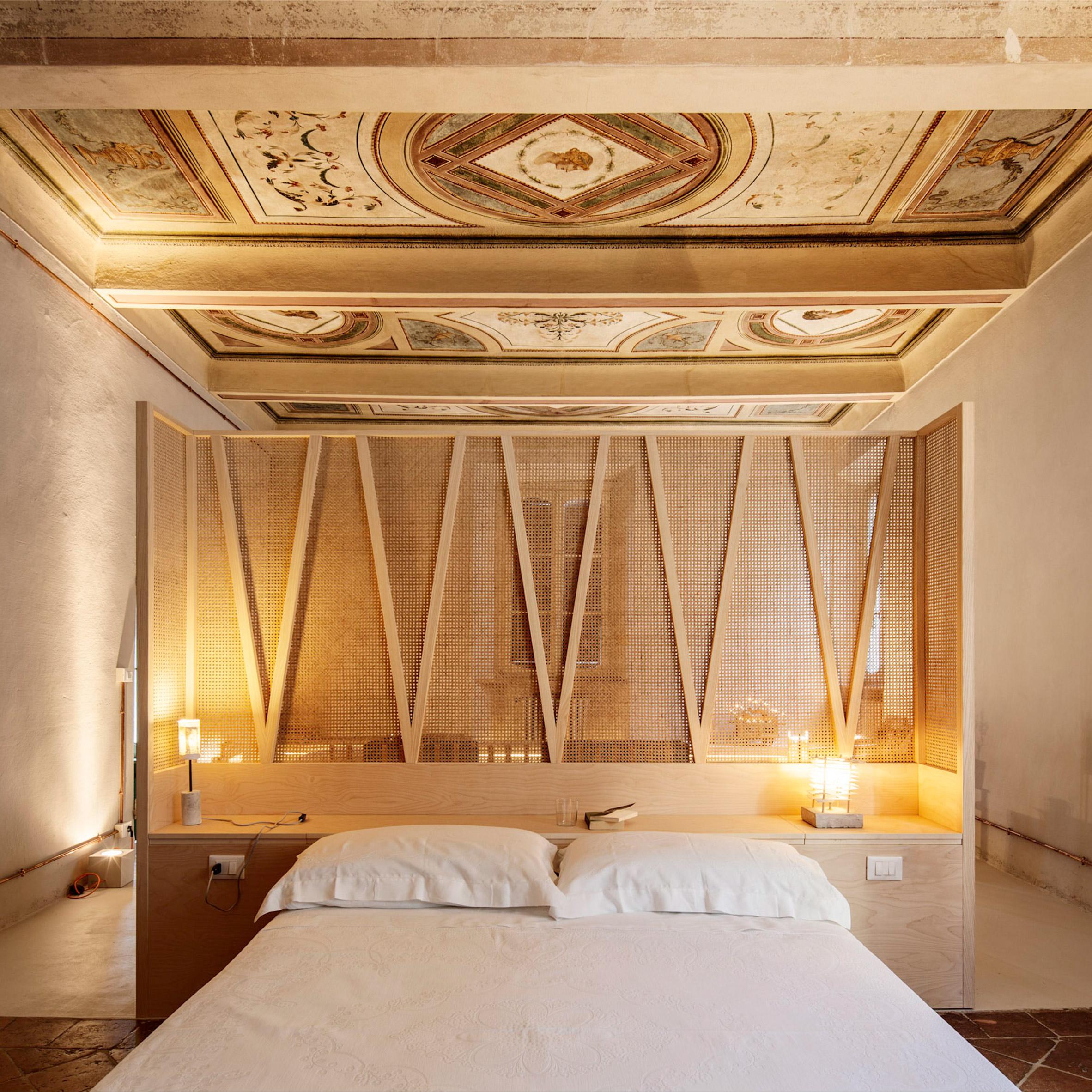 Mẫu phòng ngủ khách sạn 10