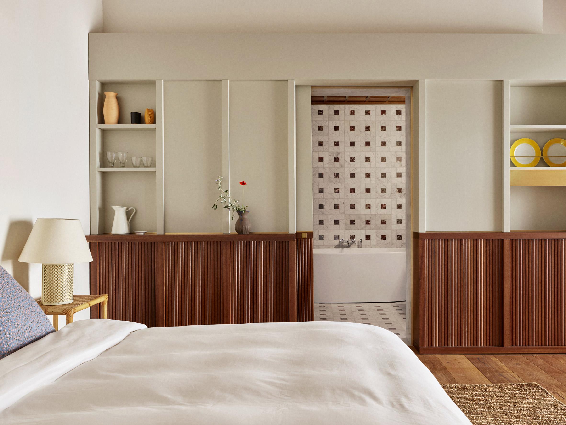 Mẫu phòng ngủ khách sạn 15