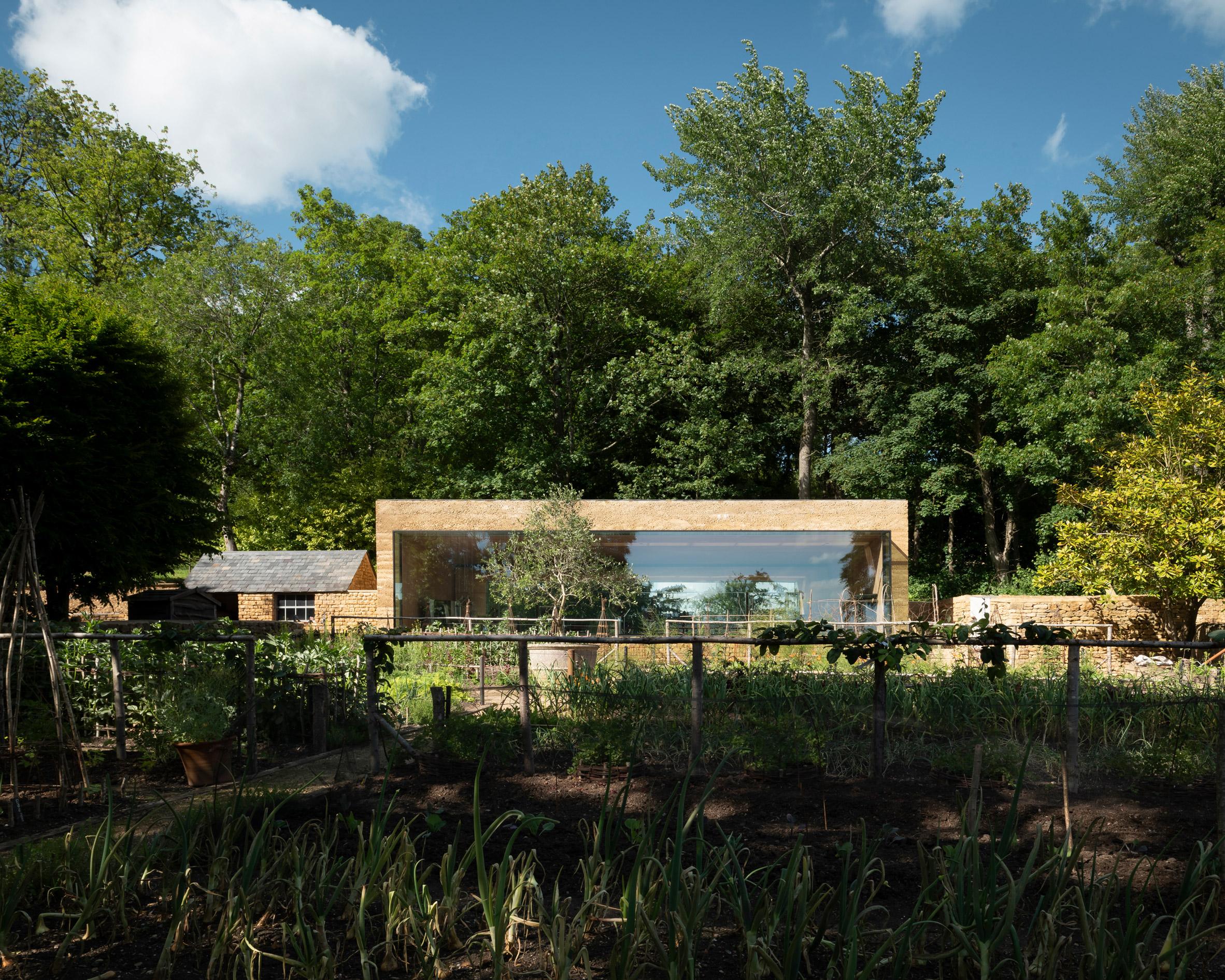 Thiết kế cảnh quansân vườn 1