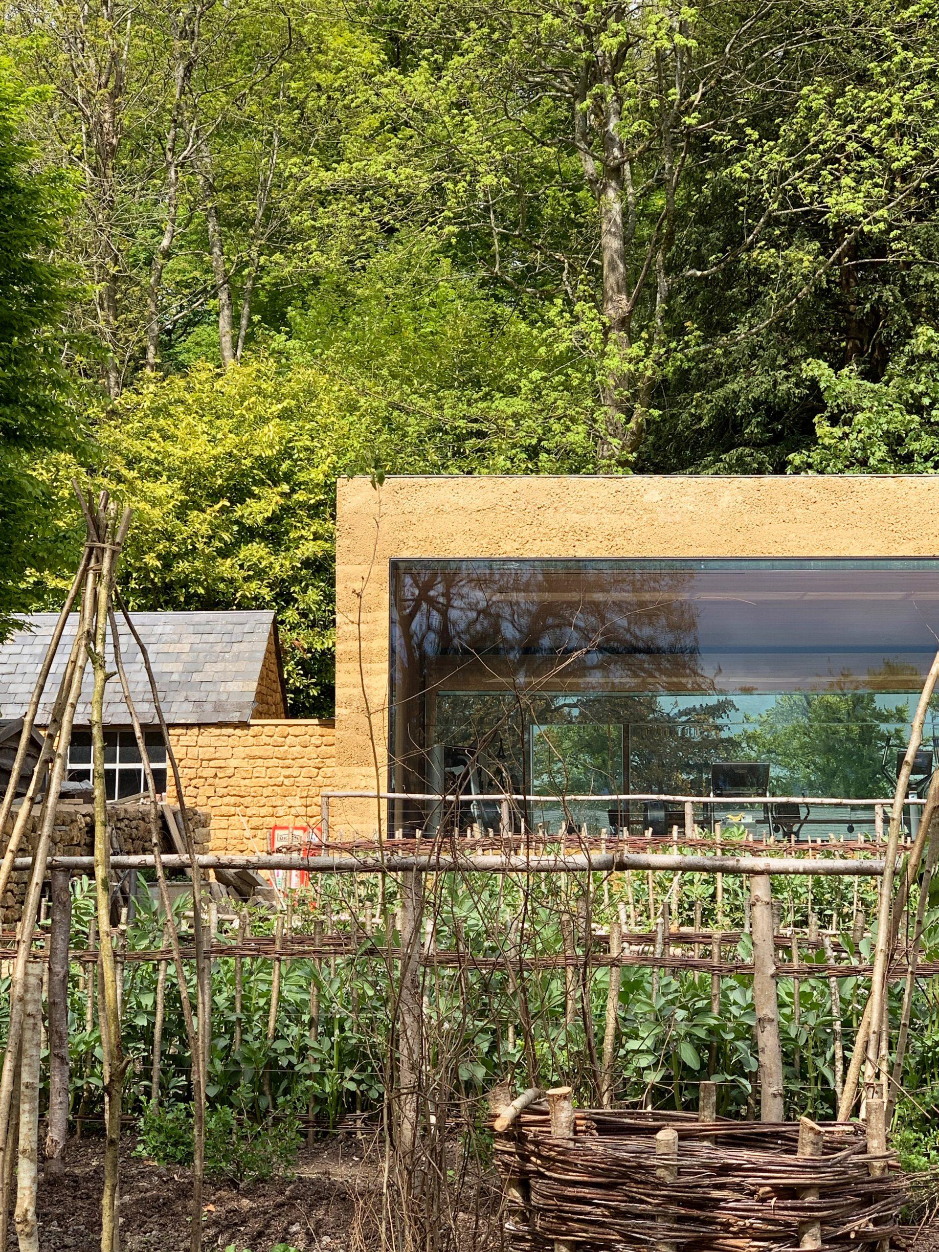 Thiết kế cảnh quansân vườn 2