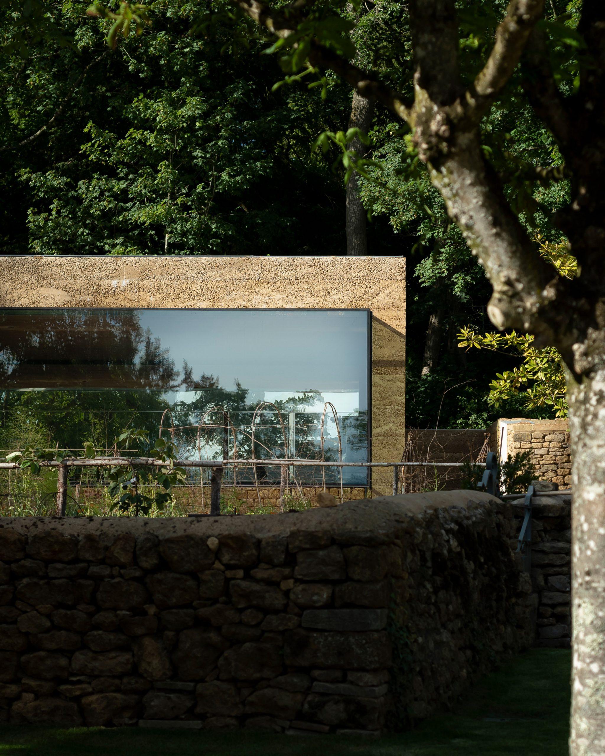 Thiết kế cảnh quansân vườn 9