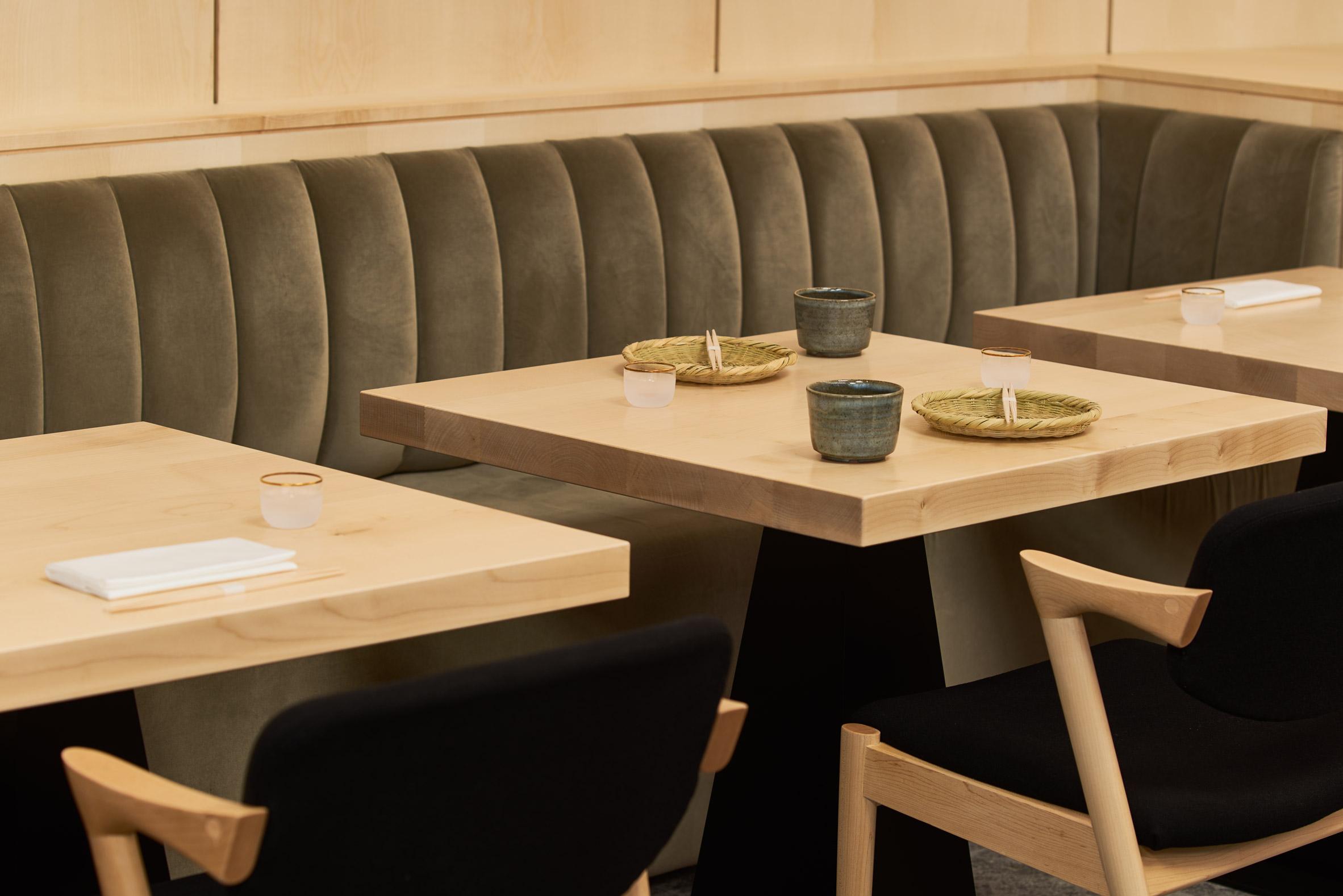 Thiết kế nội thất nhà hàng Nhật Bàn 2