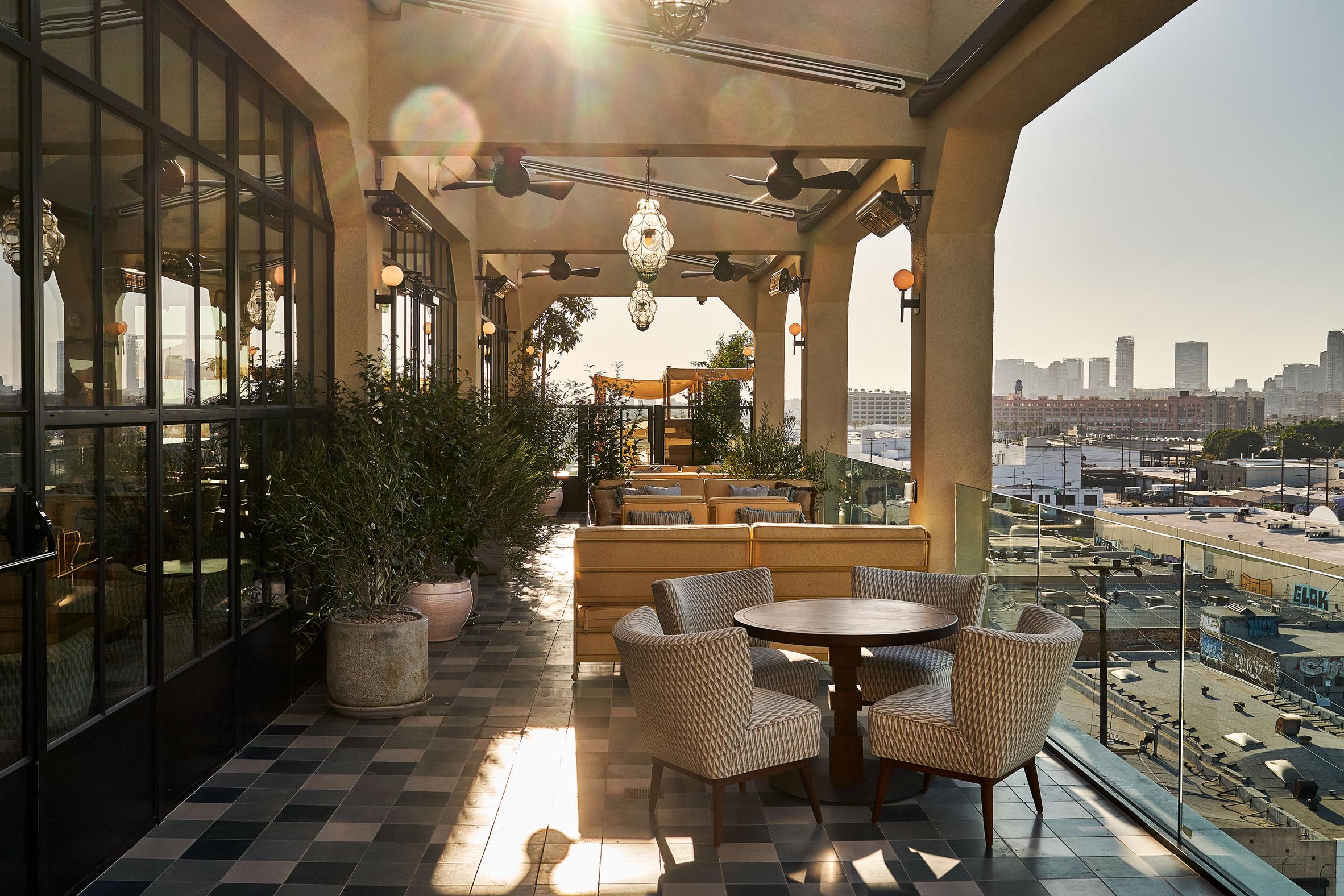 Thiết kế nội thất nhà hàng khách sạn 9