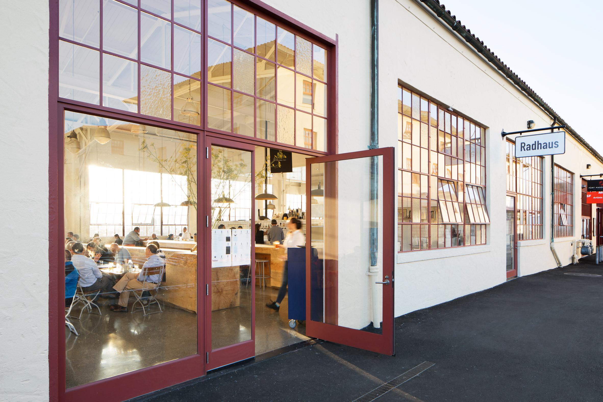 Thiết kế quán cafe80m2 8