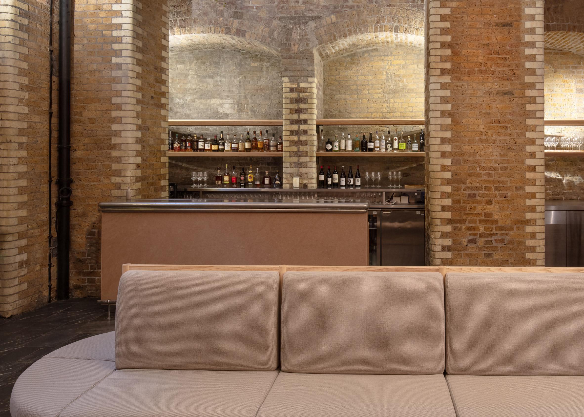 Thiết kế quán cafebằng gỗ 13