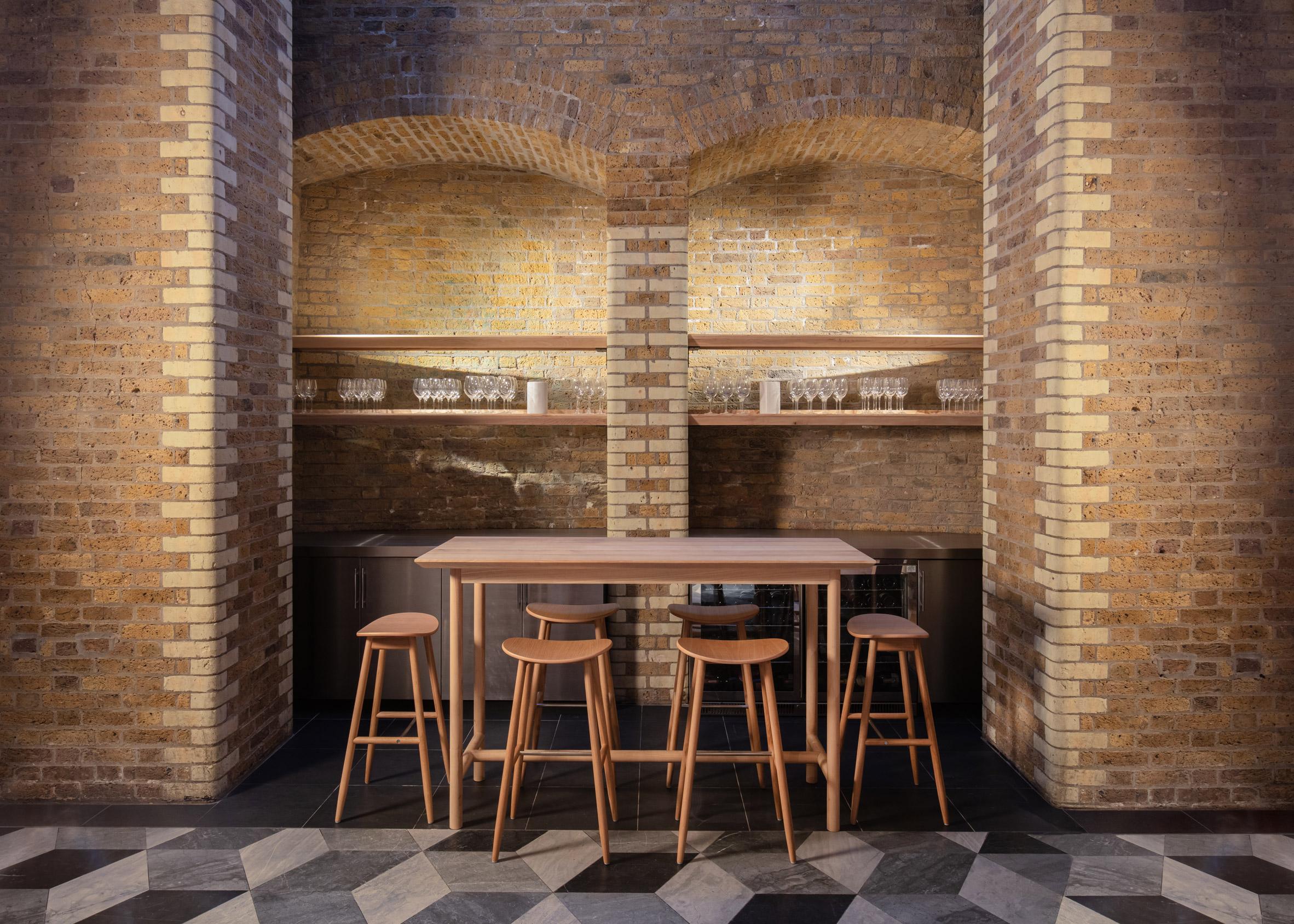 Thiết kế quán cafebằng gỗ 6