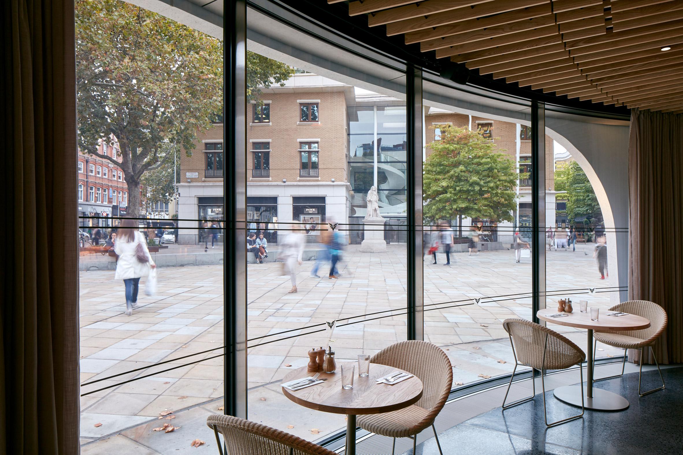 Thiết kế quán cafehiện đại 4