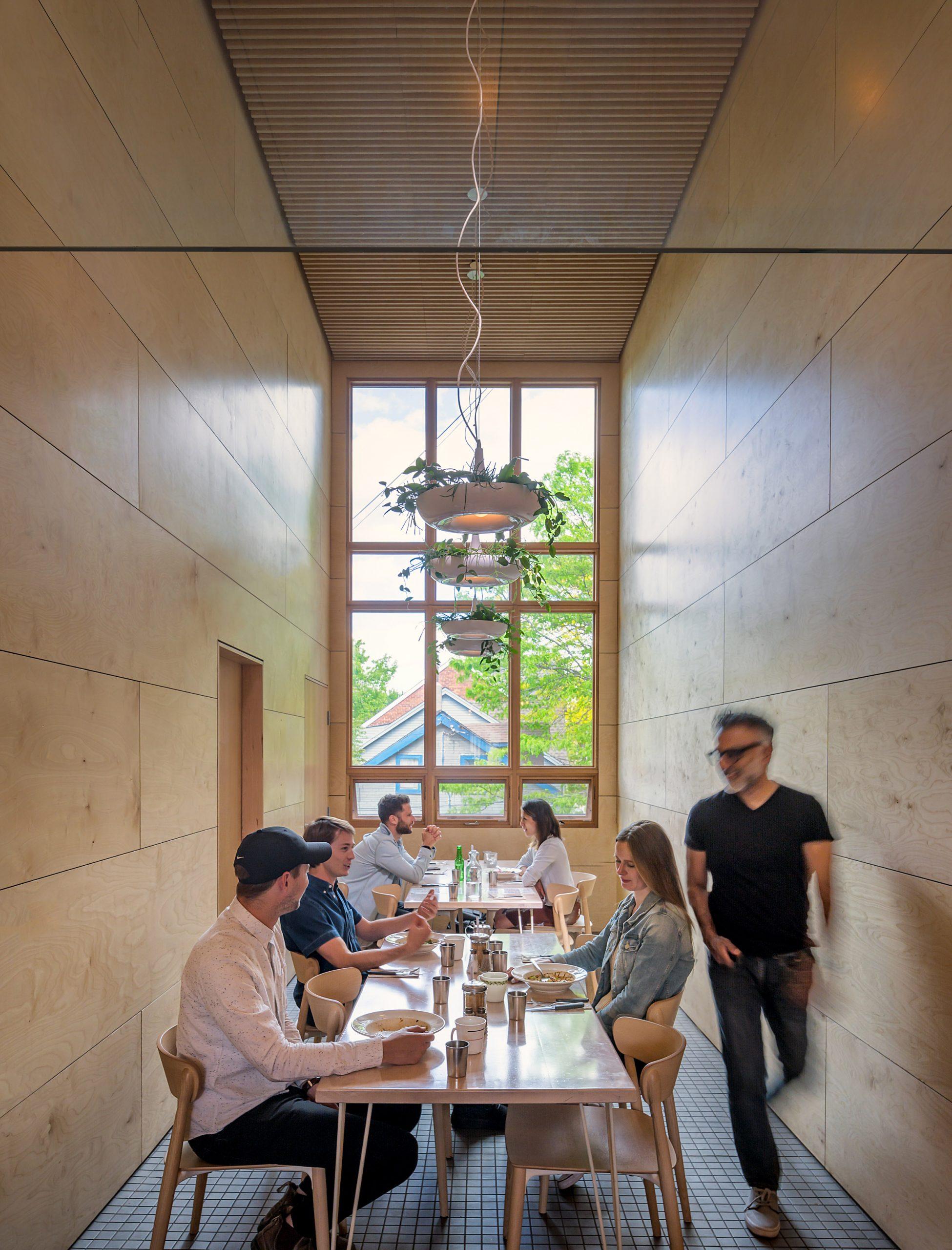 Thiết kế quán cafemặt tiền 5m 4