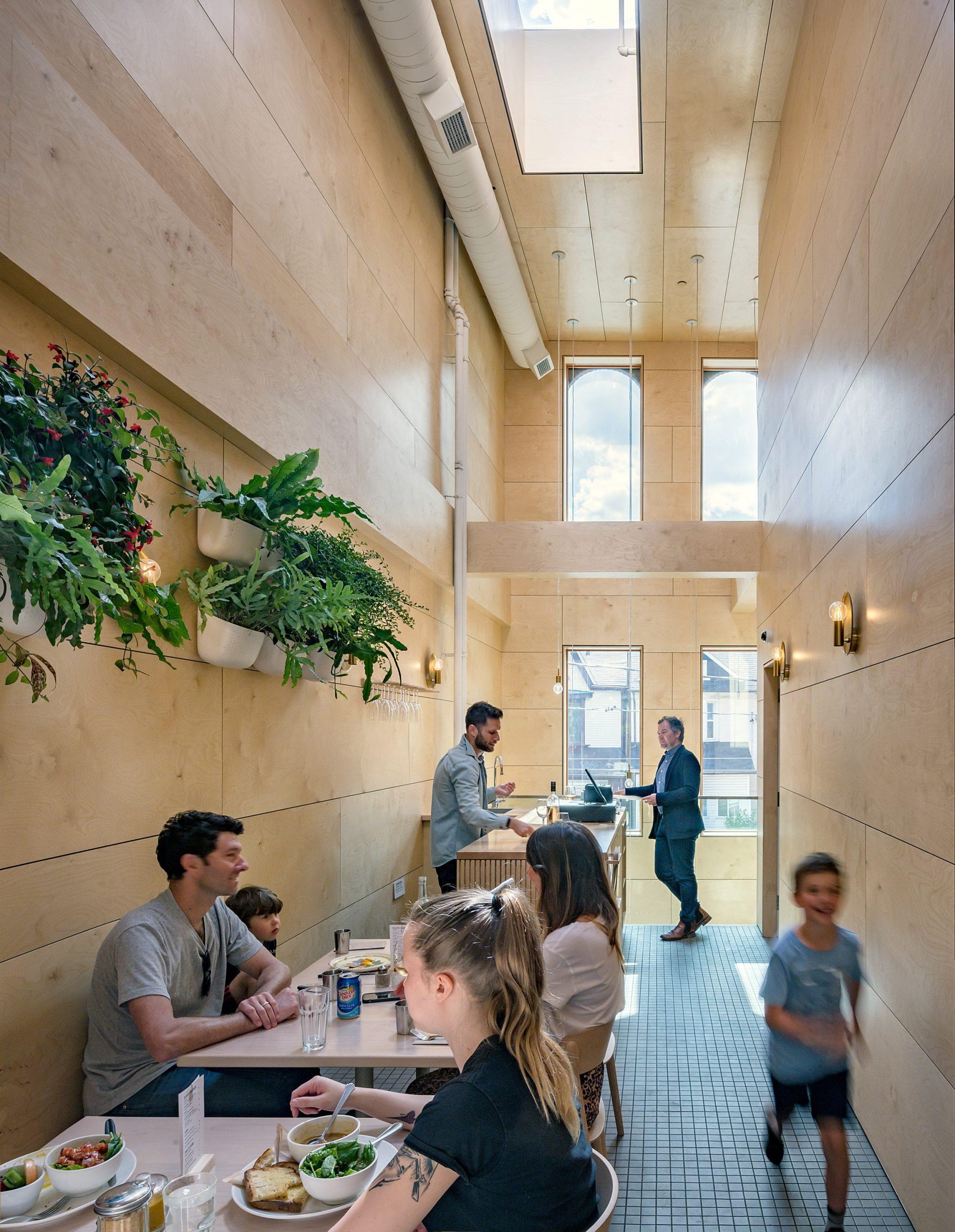 Thiết kế quán cafemặt tiền 5m 9