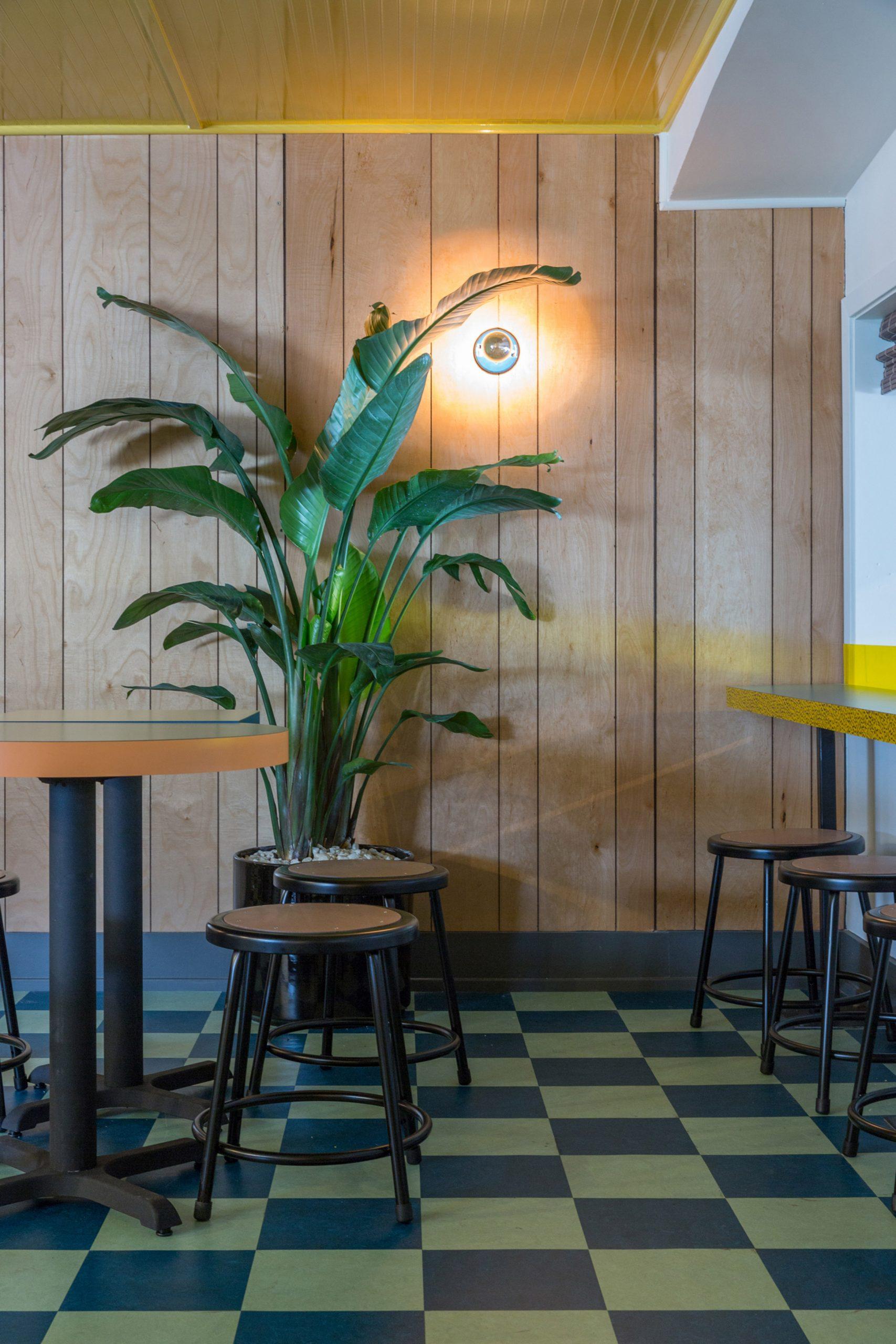 Thiết kế quán cafenhà ống 19