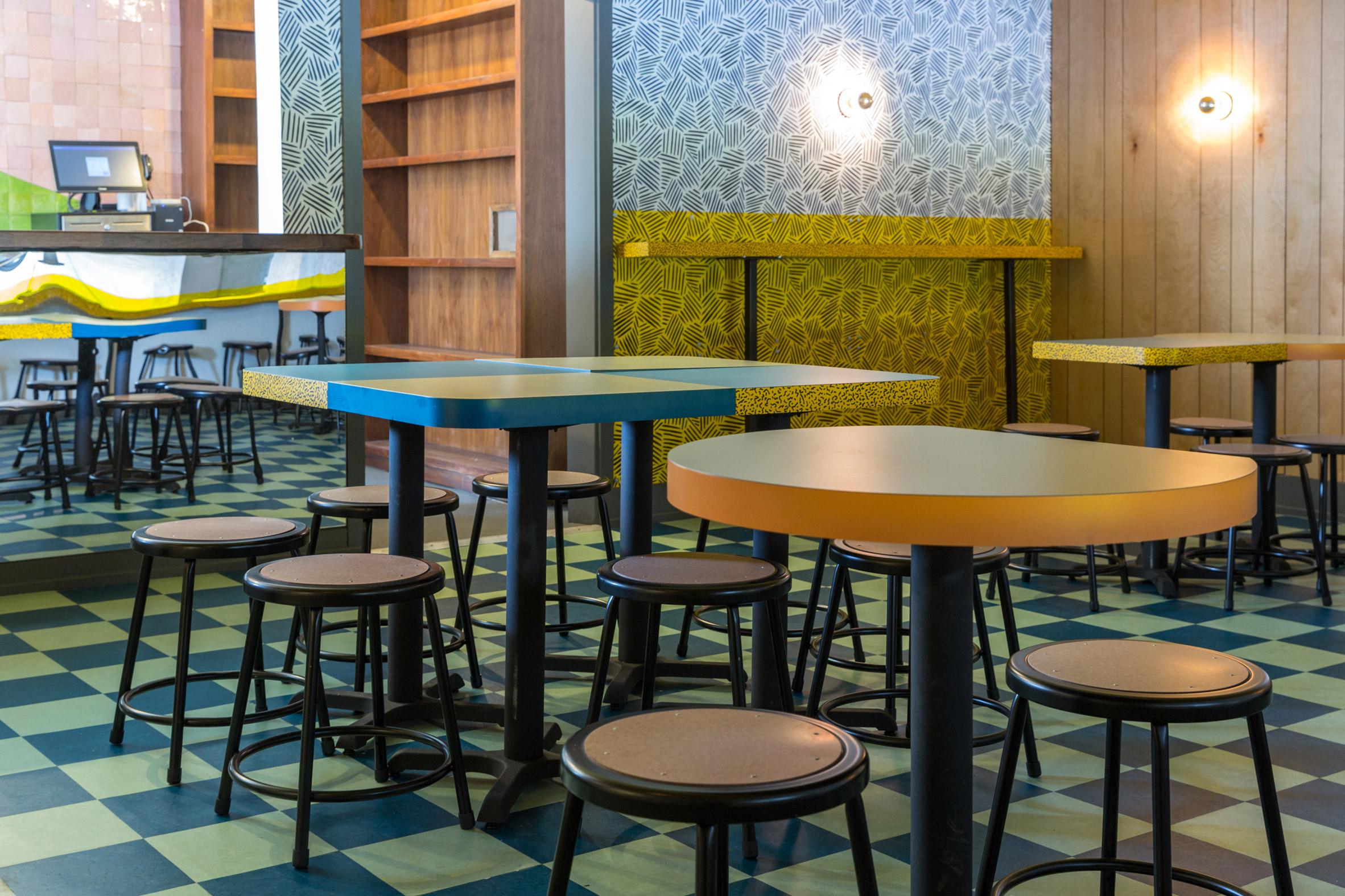 Thiết kế quán cafenhà ống 20
