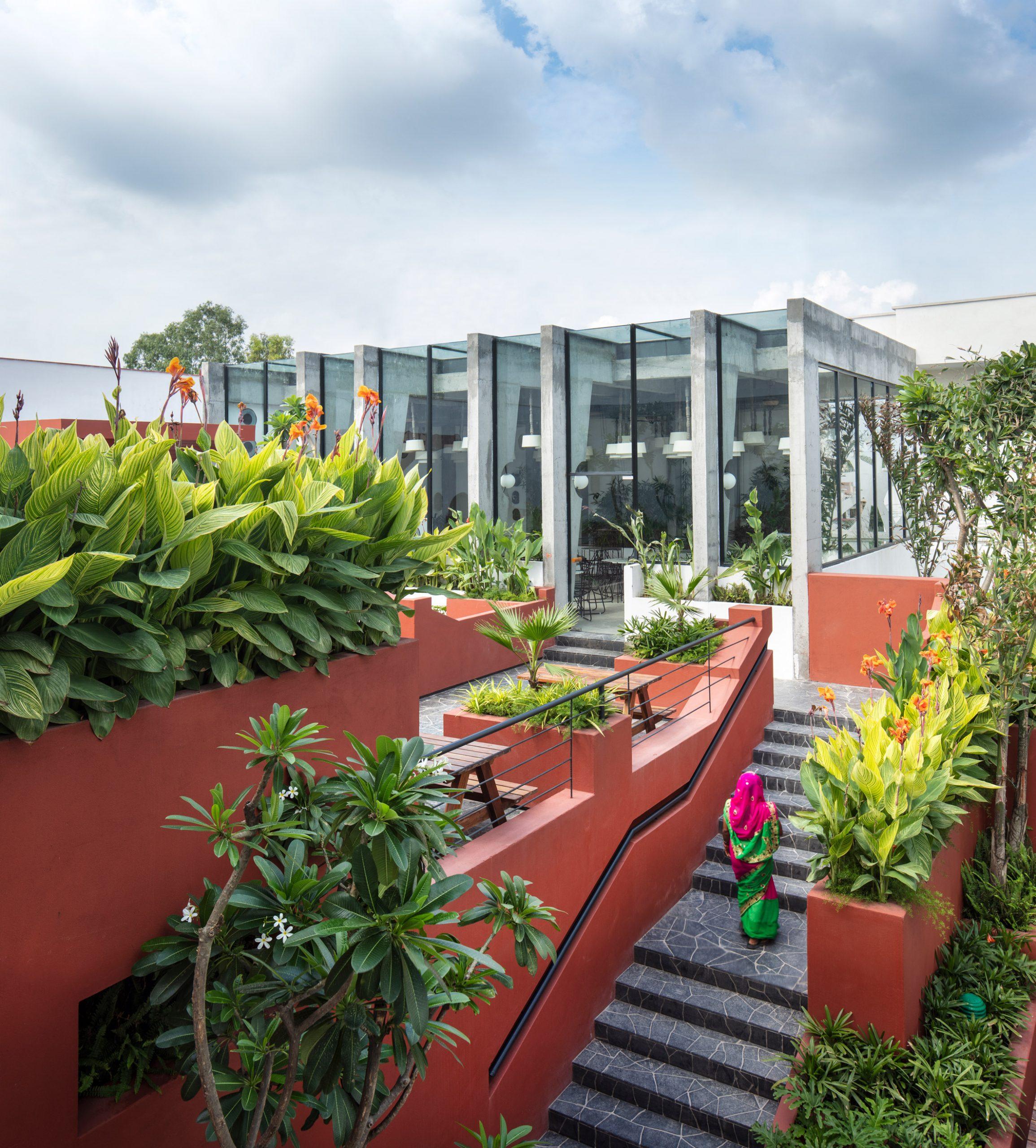 Thiết kế quán cafesân vườn 2