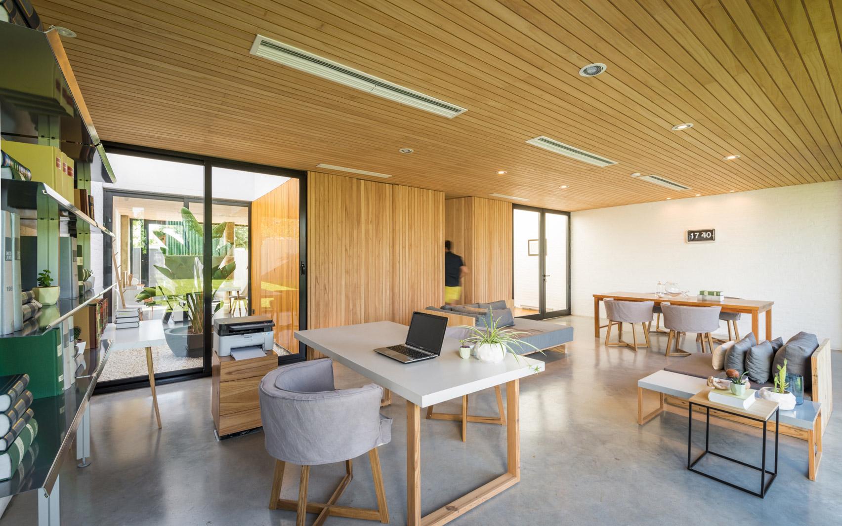 Mẫu nhà gỗ hiện đại 13