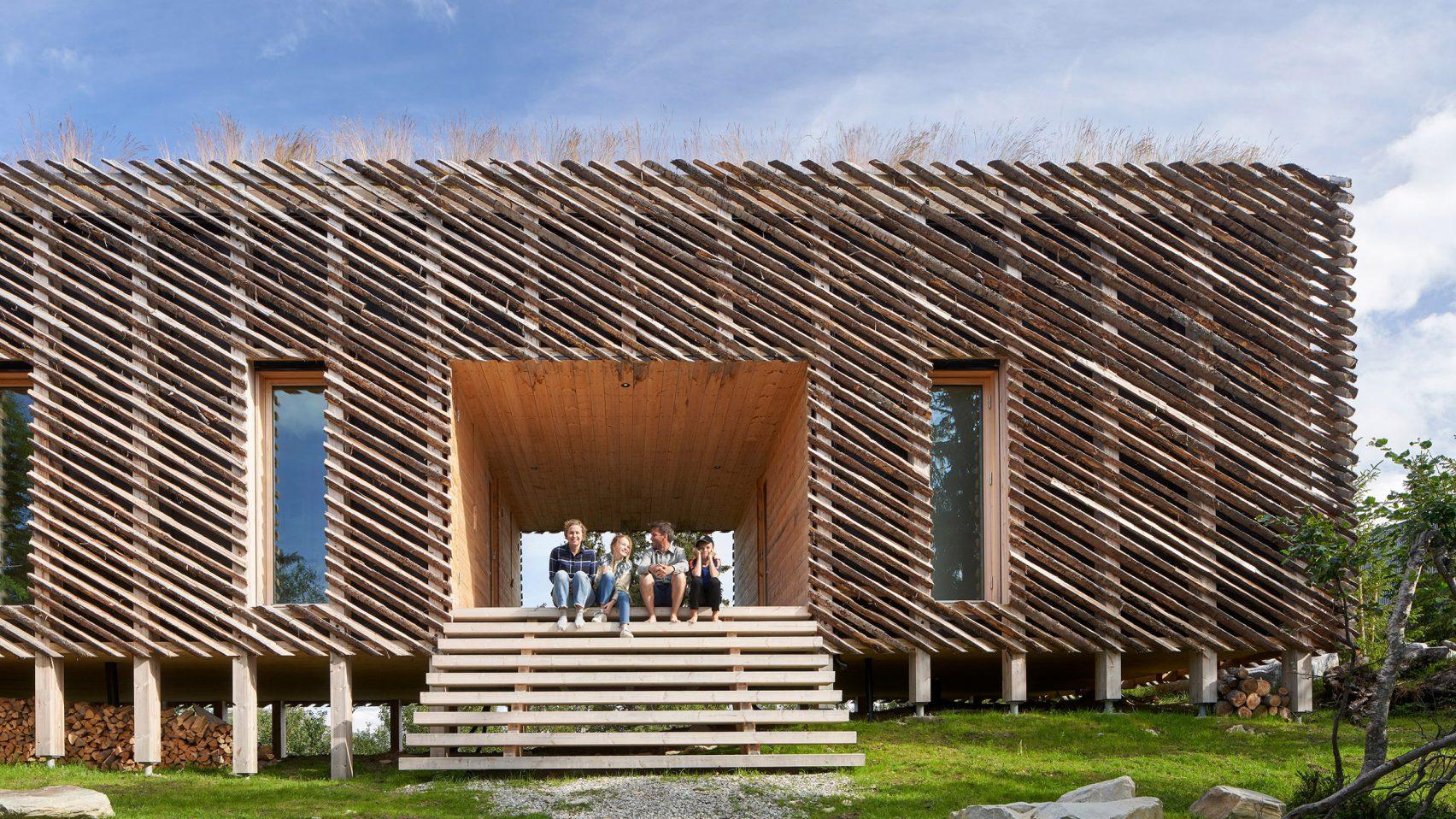 Nhà gỗ 3 gian đơn giản