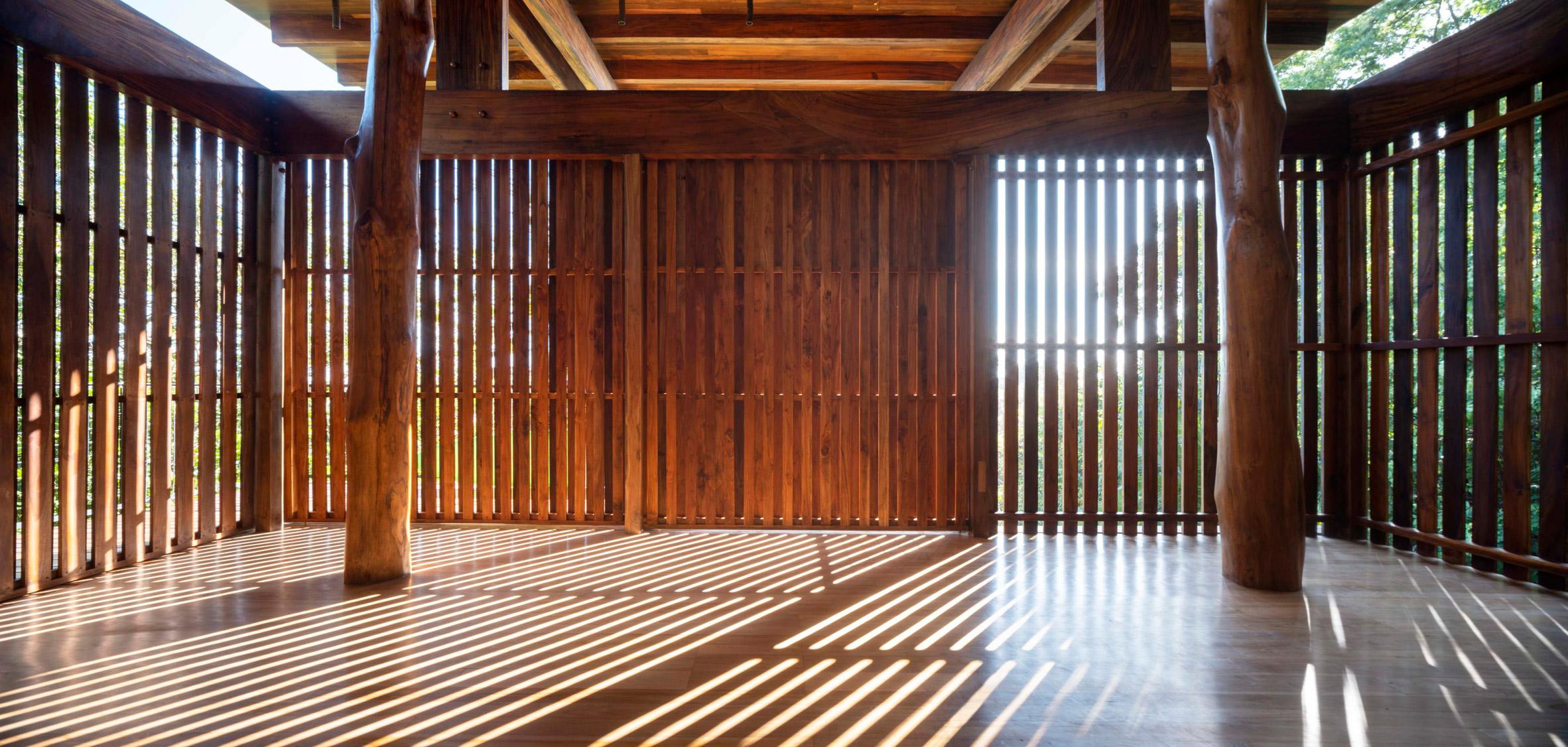 Nhà sàn gỗ hiện đại 14