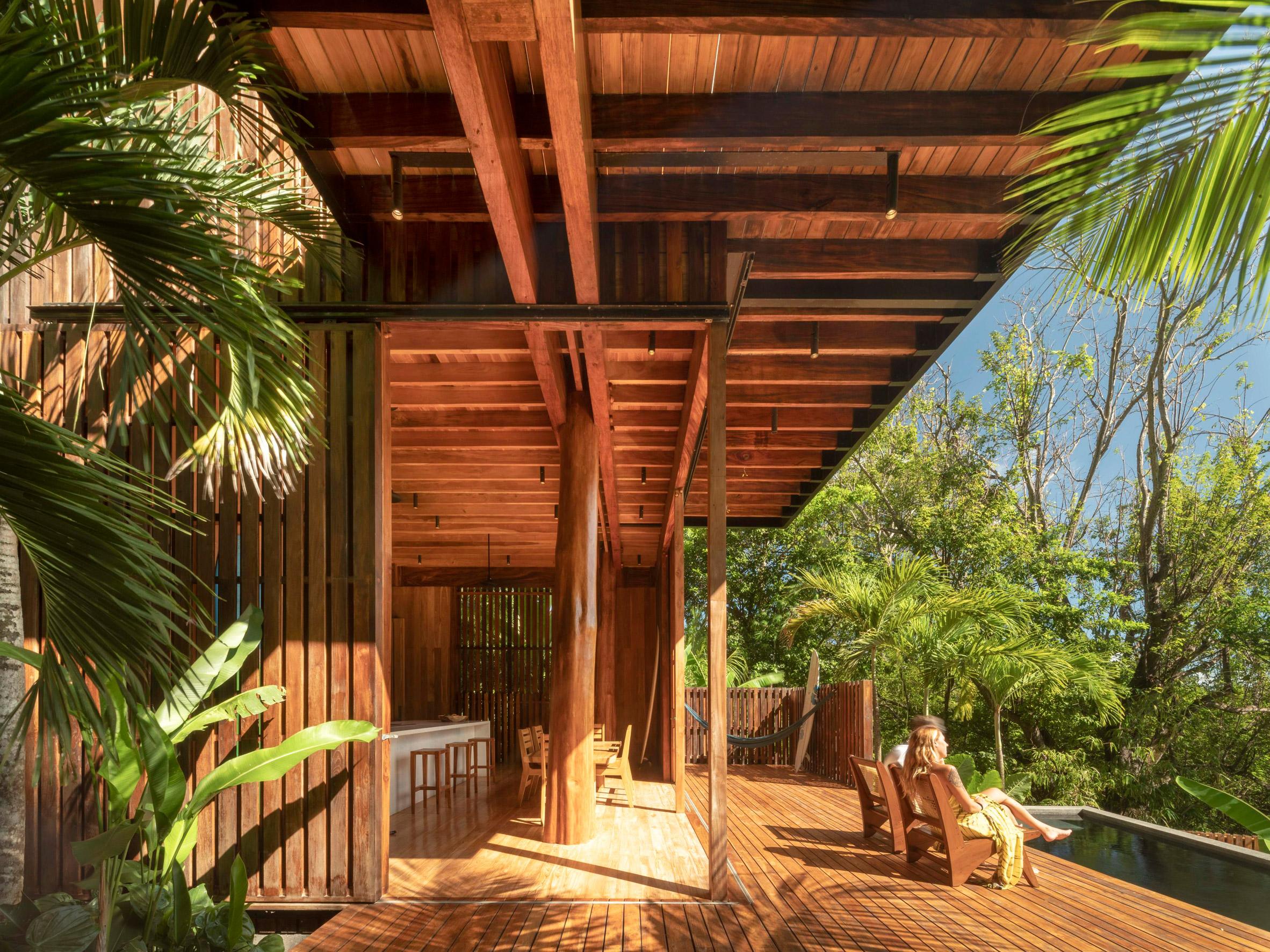 Nhà sàn gỗ hiện đại 4