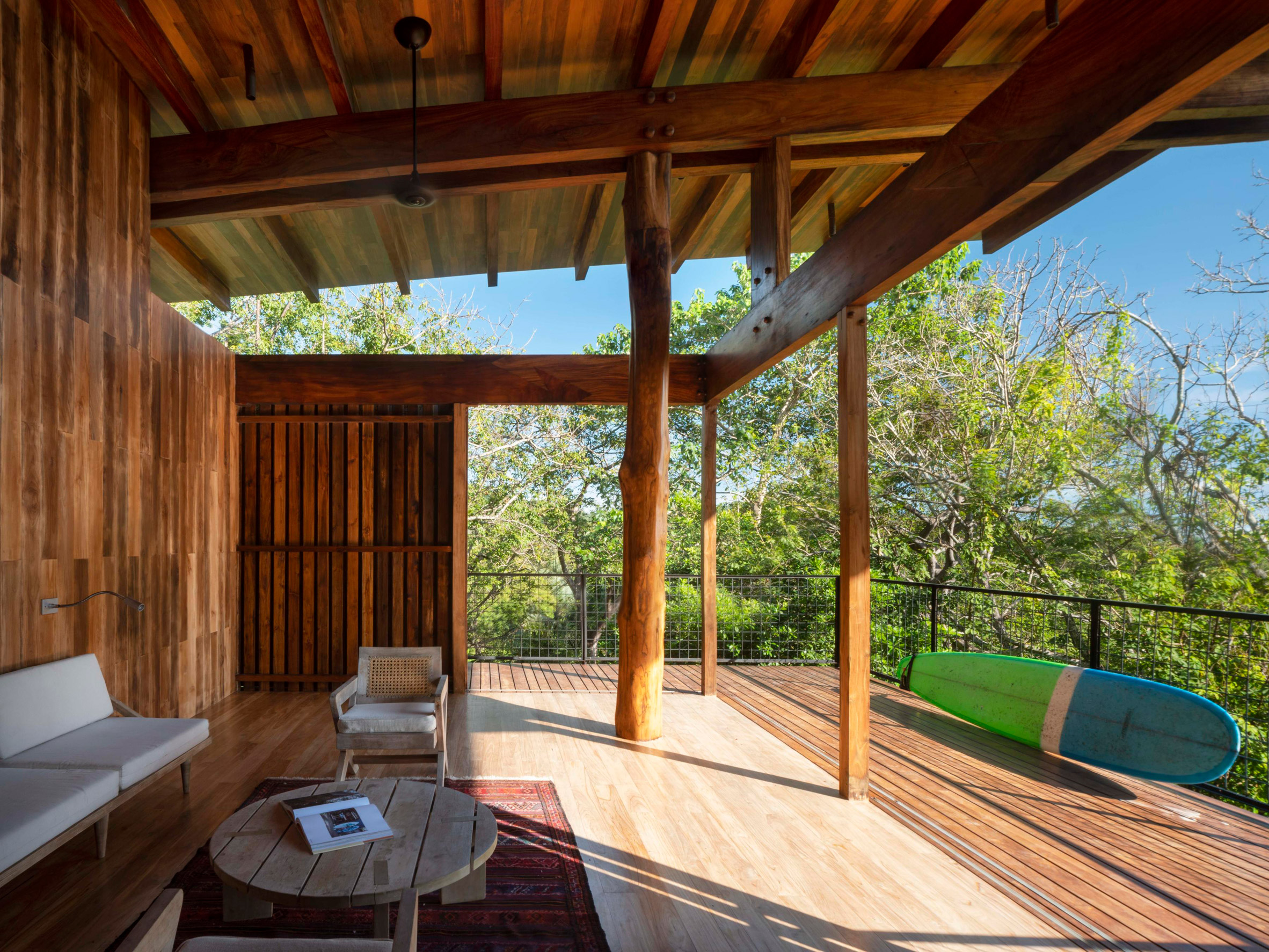 Nhà sàn gỗ hiện đại 5