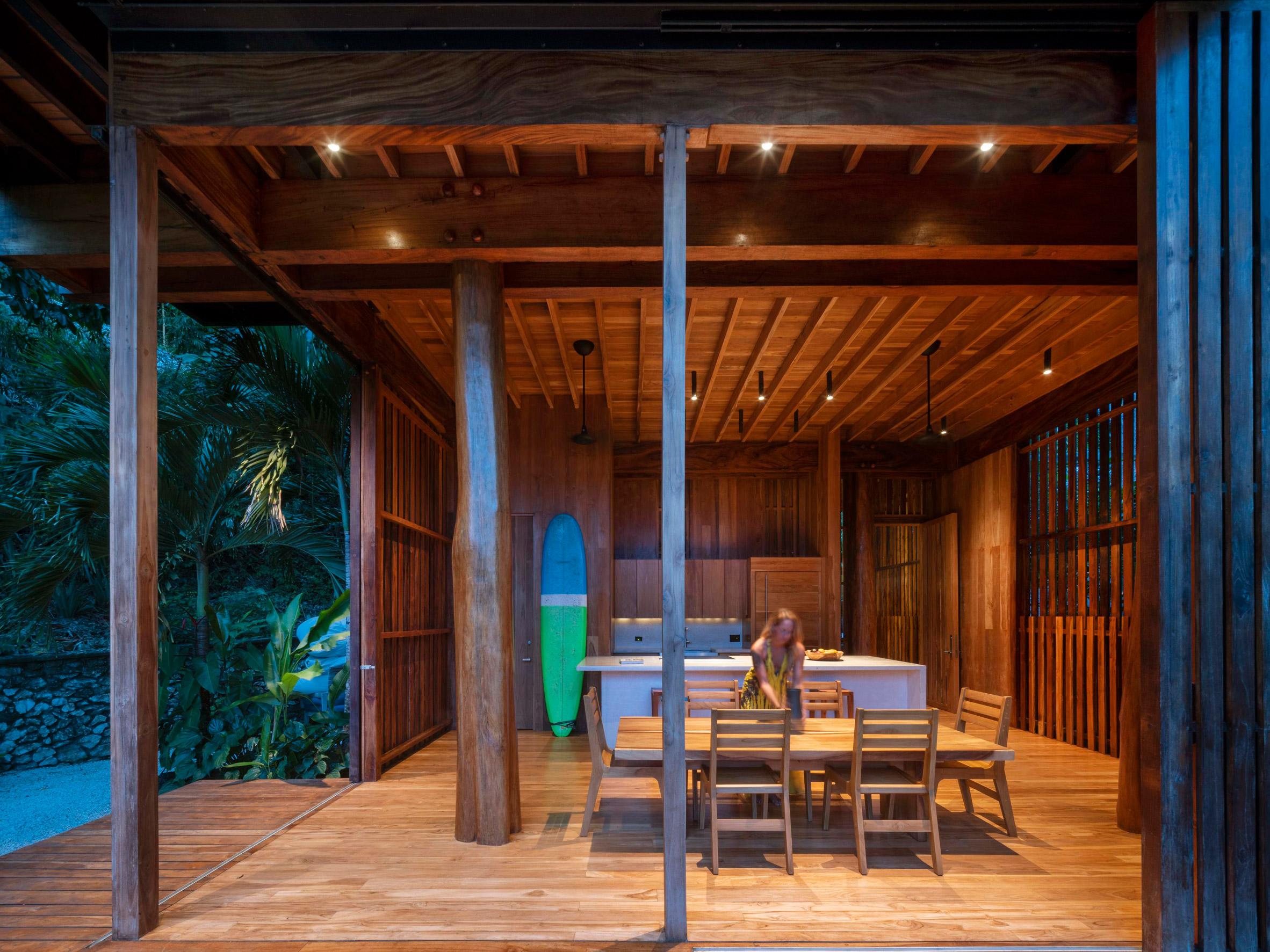 Nhà sàn gỗ hiện đại 7