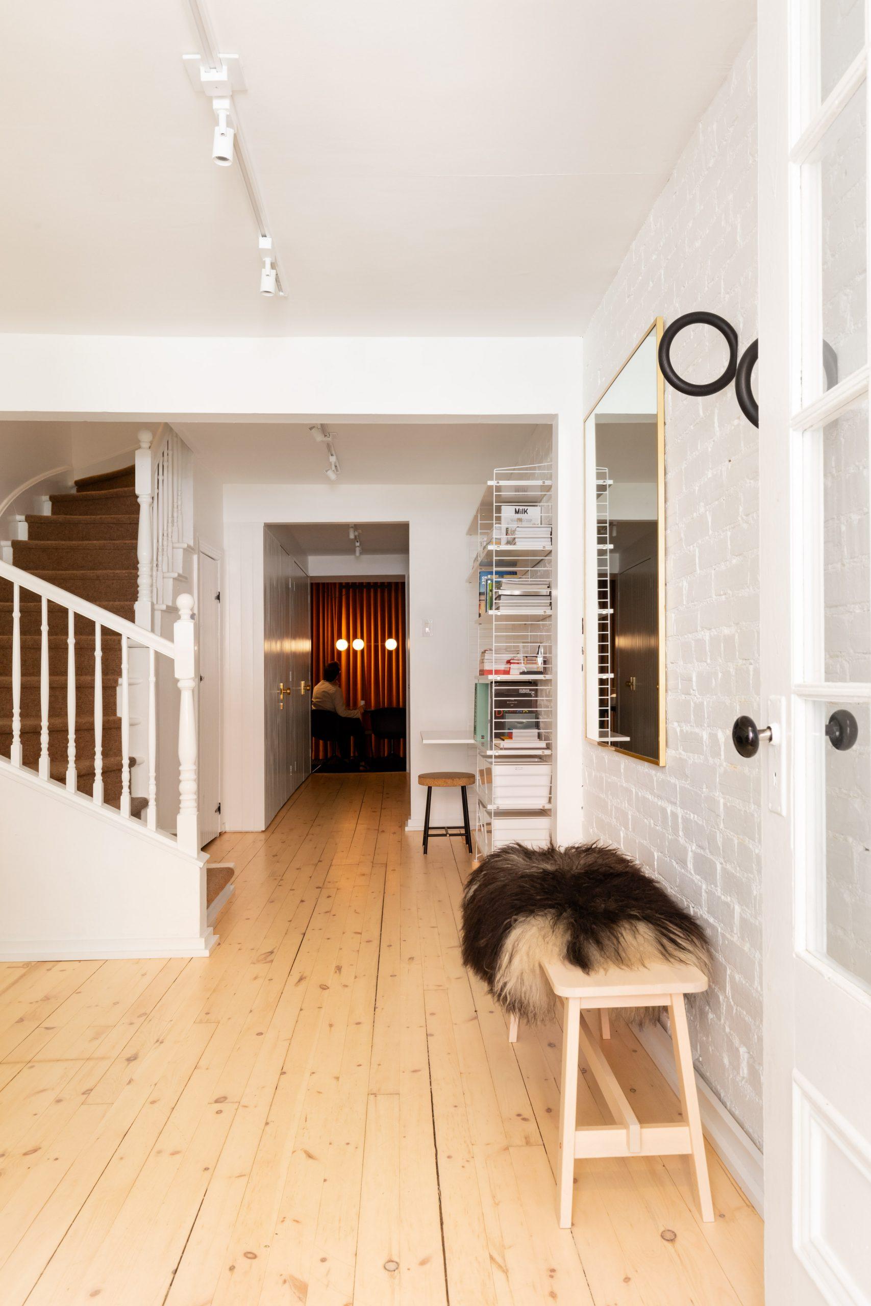 Phòng khách đơn giản mà đẹp 6