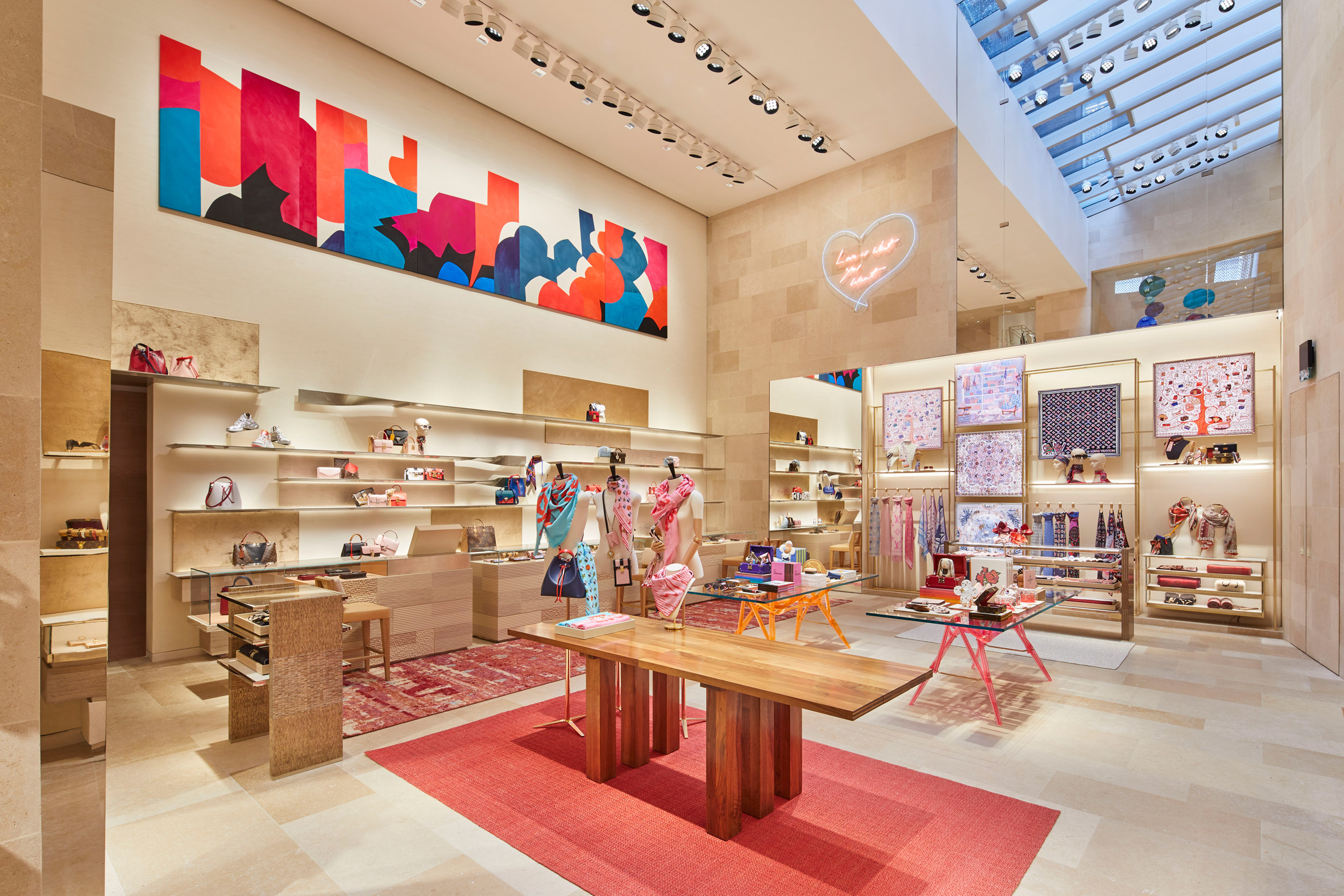 Thiết kế ánh sáng cho cửa hàng thời trang 1
